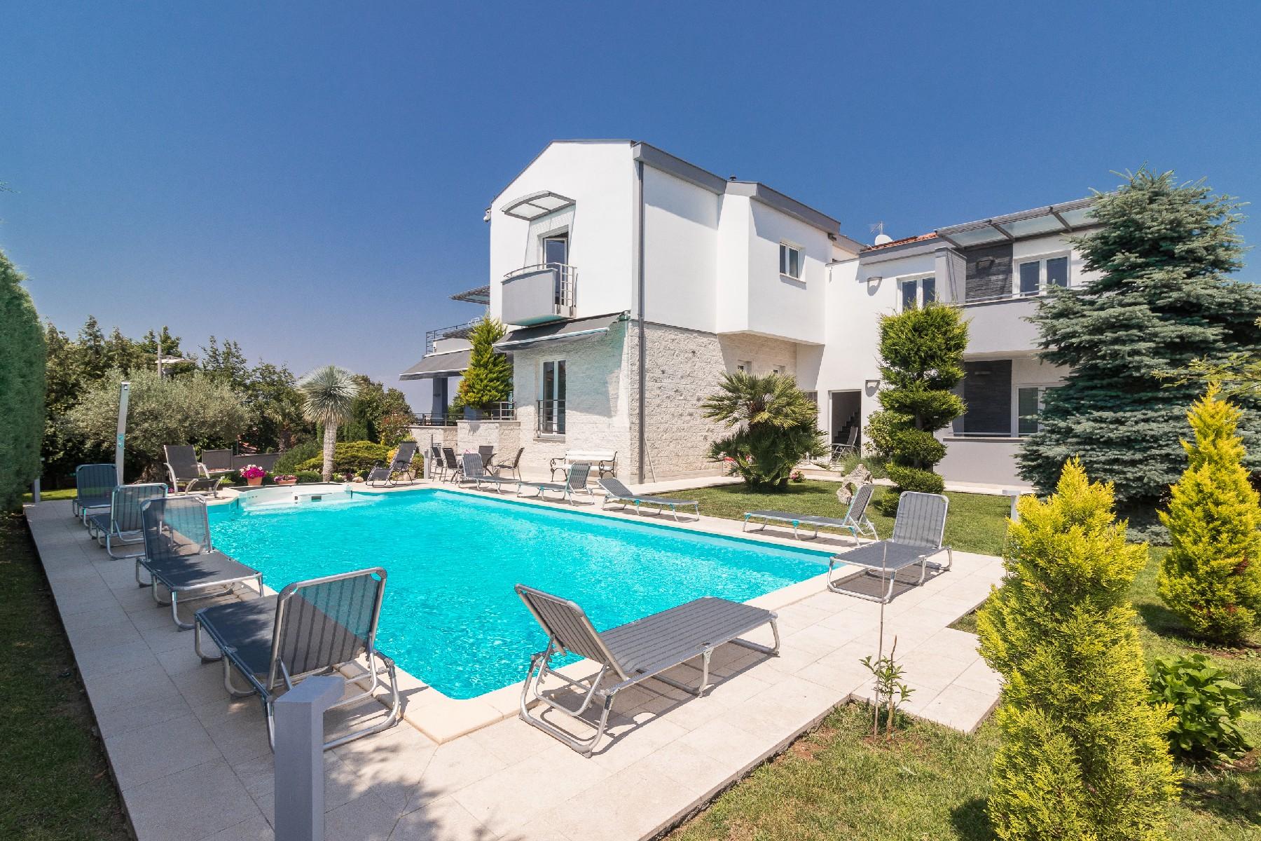 Maison unifamiliale pour l Vente à Villa Sandy Pula, Istria, 52100 Croatia