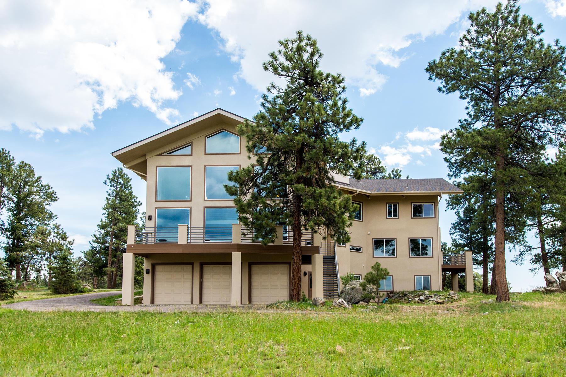 独户住宅 为 销售 在 Open Floor Plan with Stunning Mt Evans Views 1523 Copper Rose Drive 戈尔登, 科罗拉多州 80401 美国