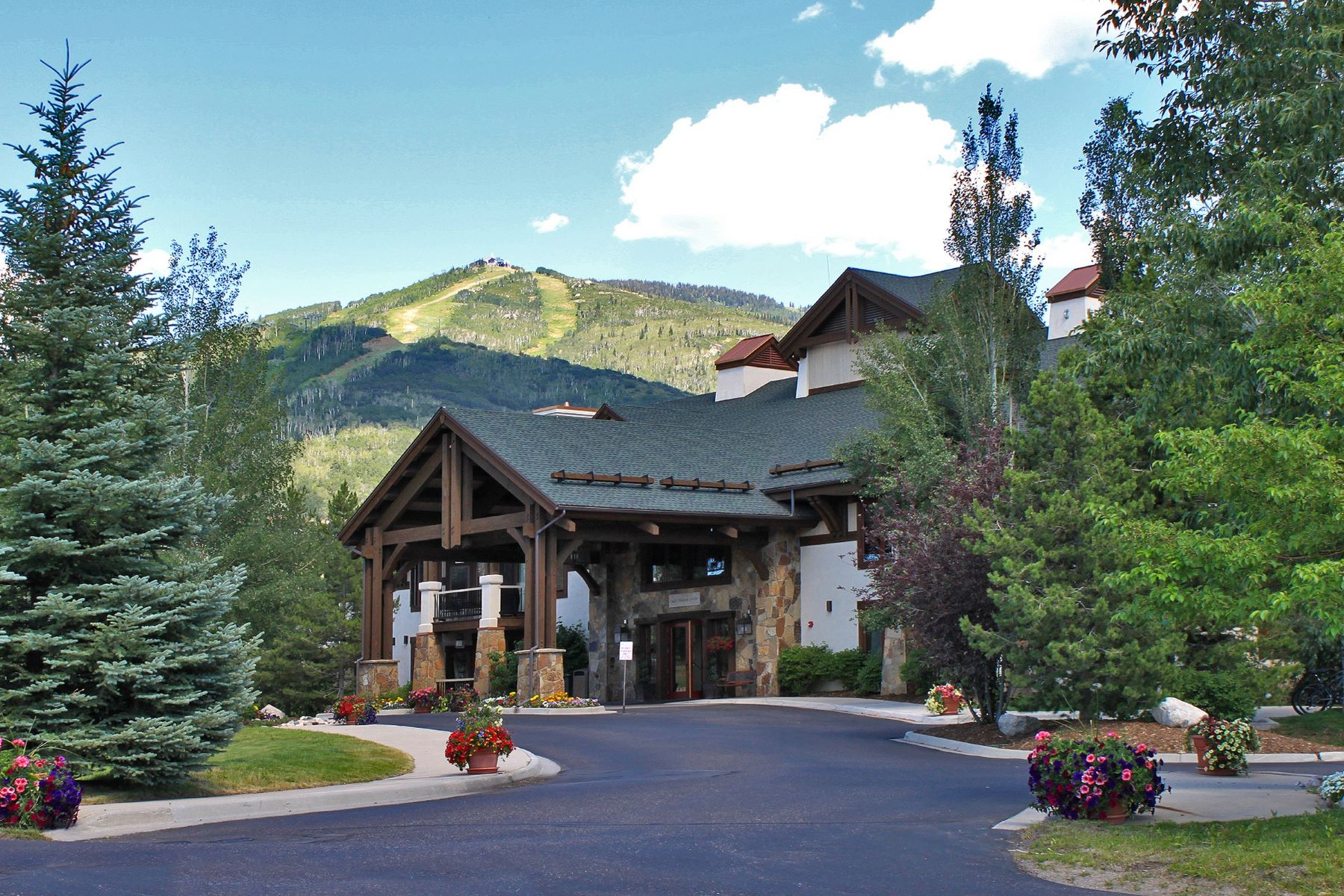 Condominium for Sale at Eagleridge Lodge 1463 Flattop Circle Unit 201 Steamboat Springs, Colorado 80487 United States