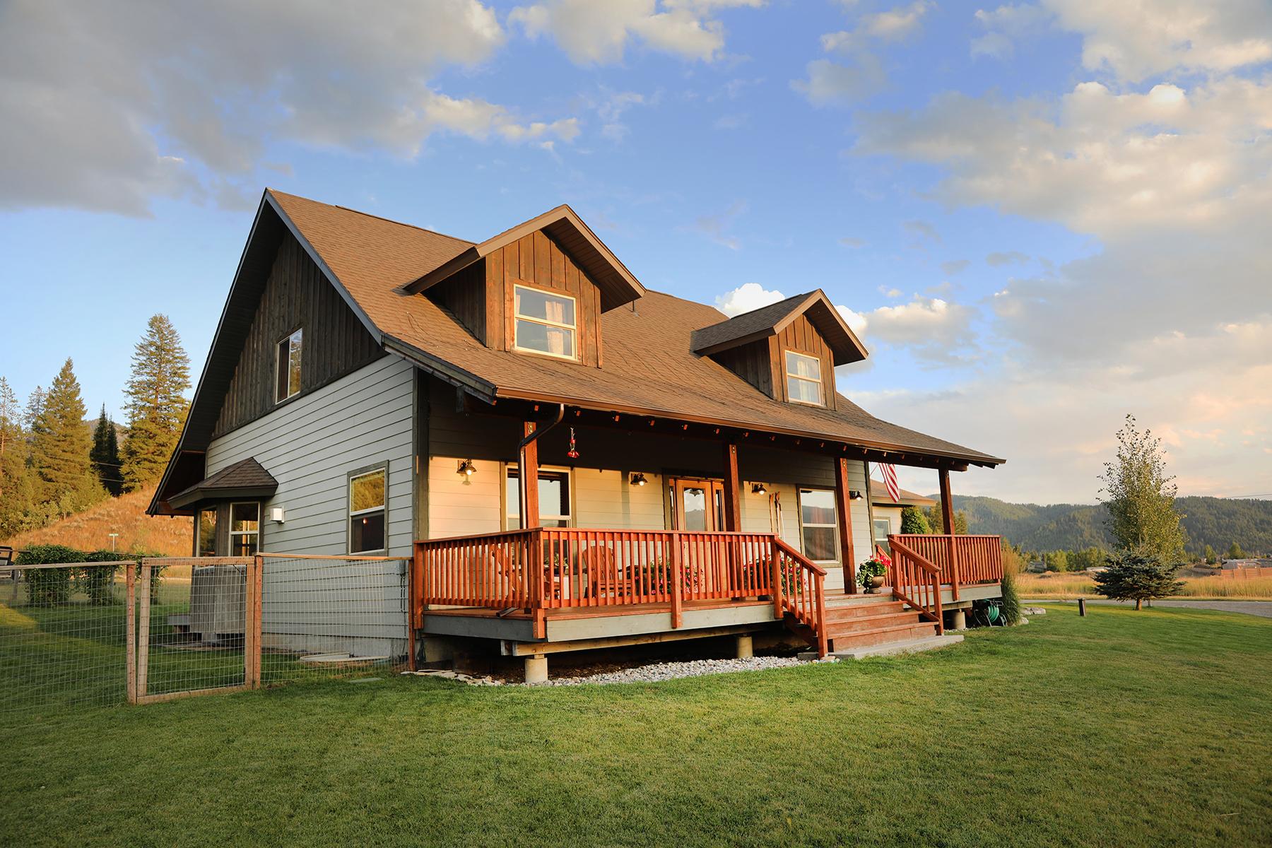 Single Family Homes por un Venta en 353 JORDAN CANYON RD, Alpine, Wyoming 83128 Estados Unidos