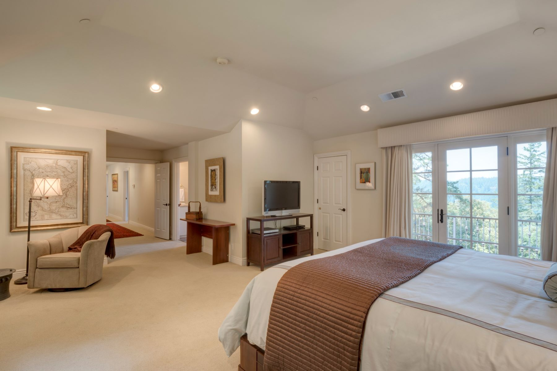 Additional photo for property listing at 1430 Bear Gulch Rd  Woodside, California 94062 United States