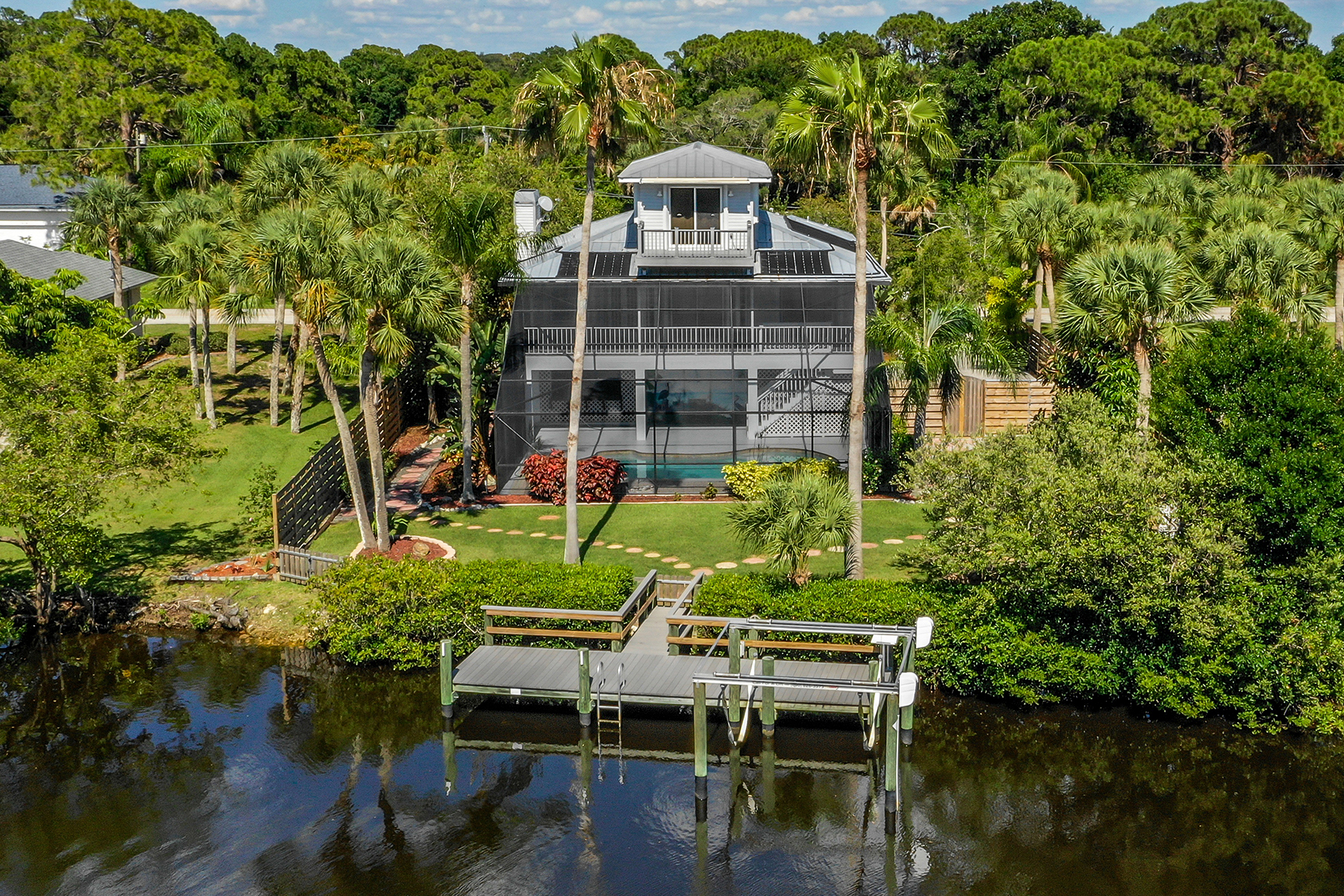 Single Family Homes for Sale at SOUTH VENICE 610 Alligator Dr, Venice, Florida 34293 United States