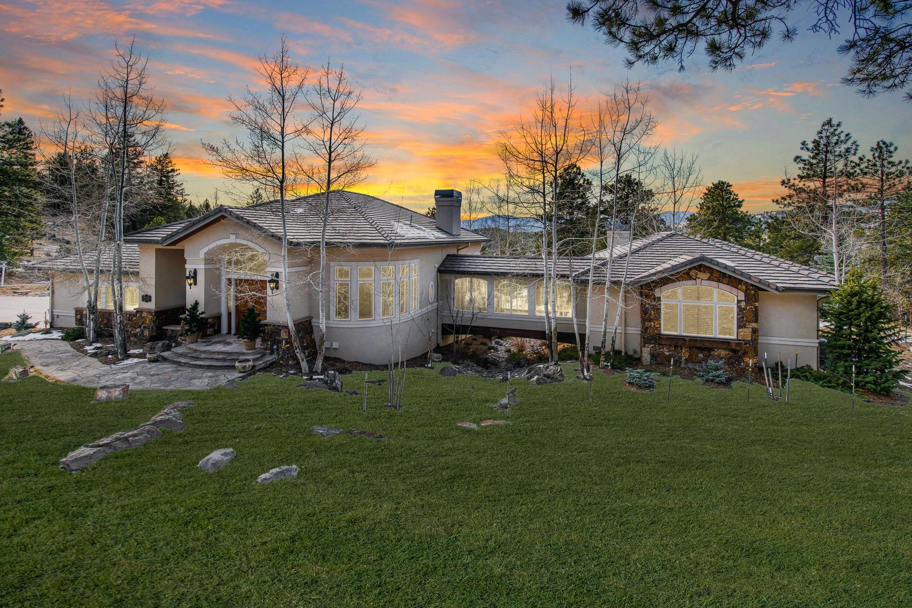 Single Family Homes pour l Vente à Exclusive and Private Neighborhood Living! 27250 Craig Lane, Golden, Colorado 80401 États-Unis