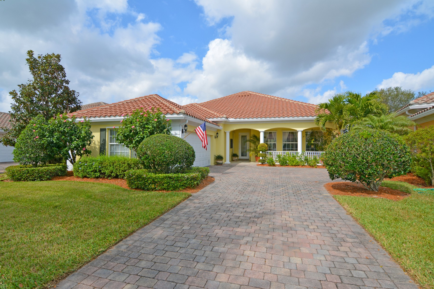 Single Family Home for Sale at Exceptional Lakefront Home 5445 Barbados Square Vero Beach, Florida 32967 United States