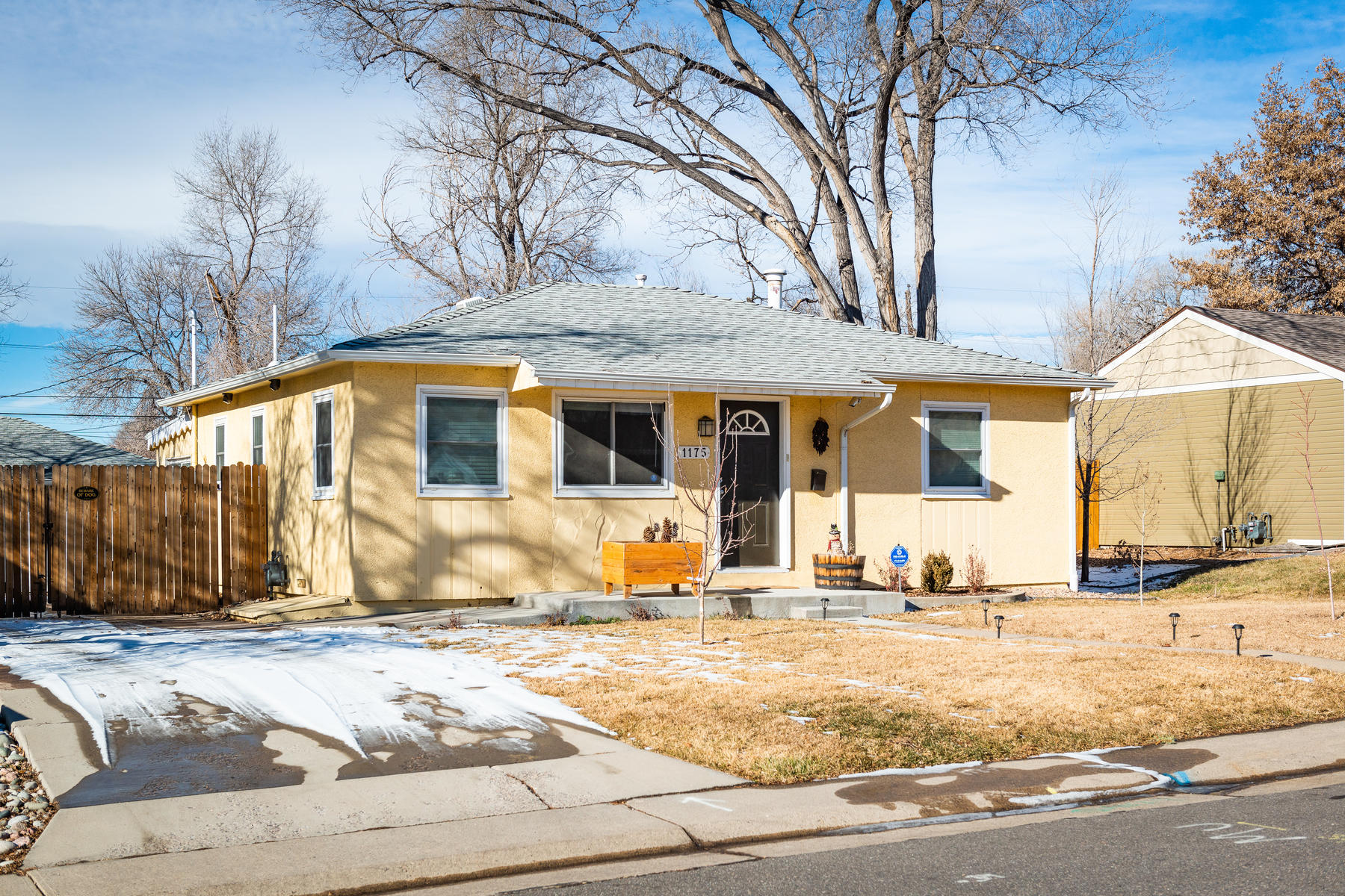 Single Family Home for Active at 1175 South Yates Street 1175 South Yates Street Denver, Colorado 80219 United States