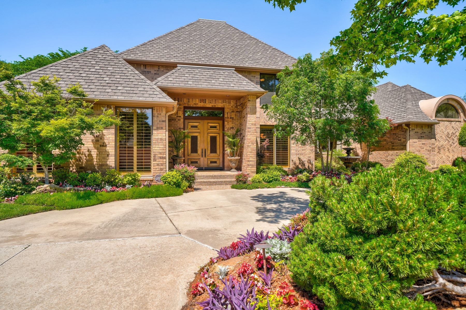 Single Family Homes for Sale at Bold Living in Bocage 12505 Bocage DR Oklahoma City, Oklahoma 73142 United States