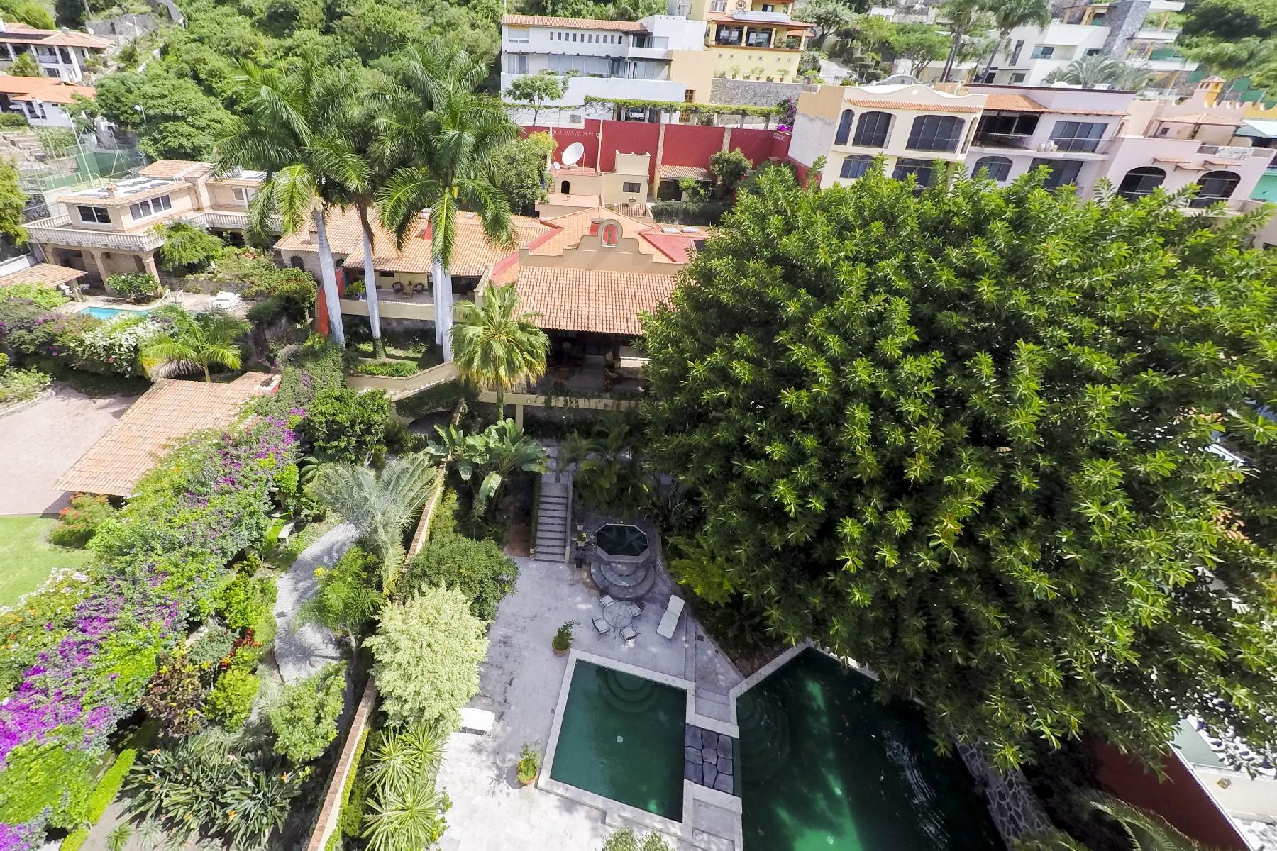 Additional photo for property listing at Casa Campana, Las Salvias, Ajijiic  Ajijic, Jalisco 45920 Mexico