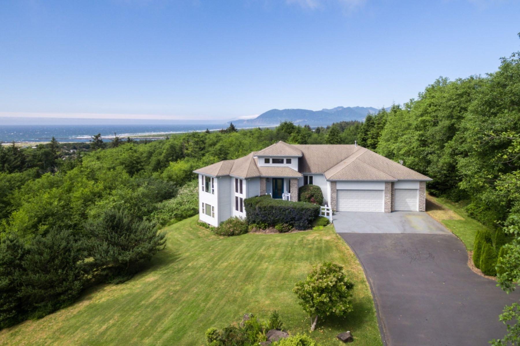 Single Family Homes 為 出售 在 Panoramic Ocean Views 9705 Scenic View Dr, Rockaway Beach, 俄勒岡州 97136 美國