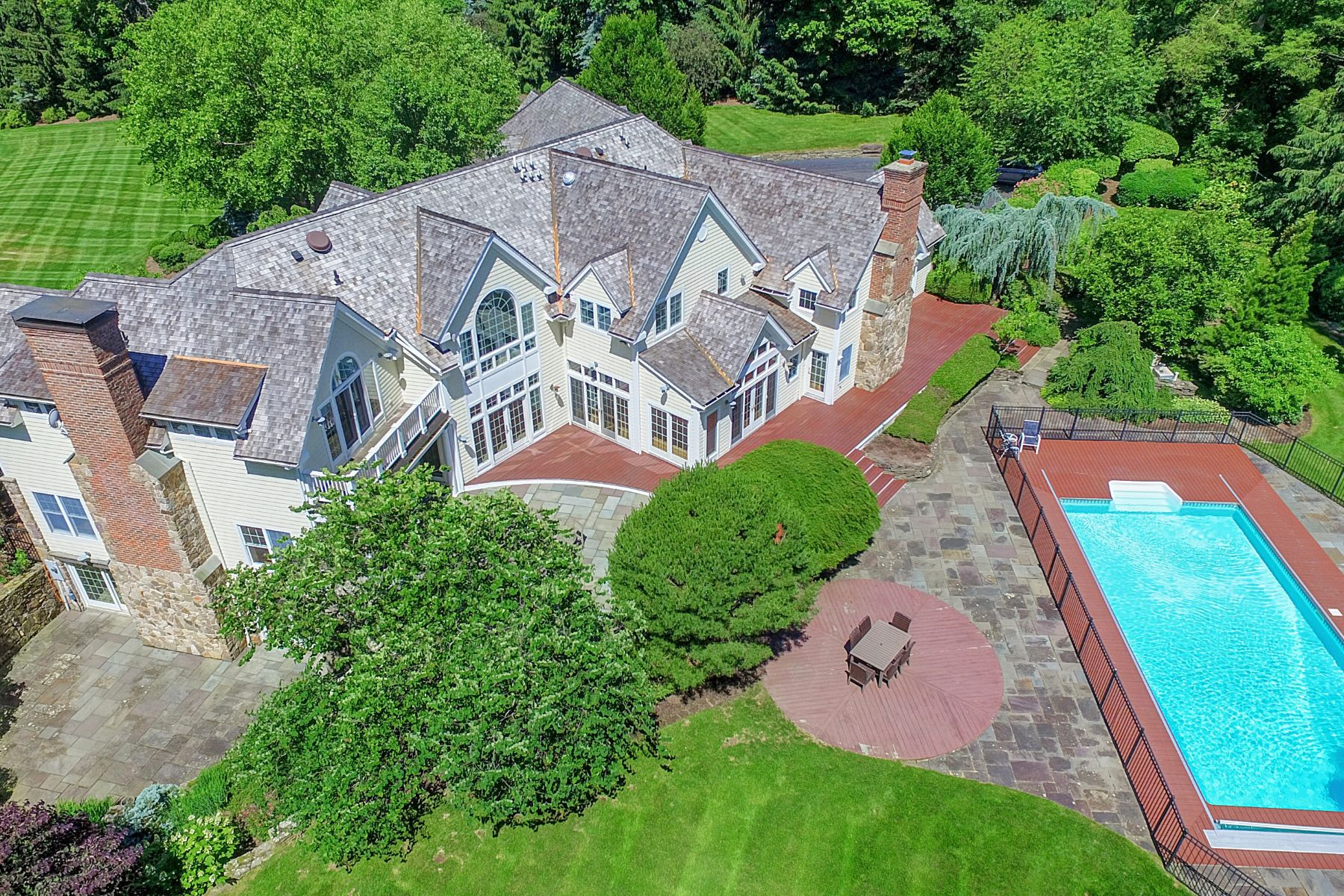 Single Family Homes for Sale at Sophistication and Style 8 Cromwell Lane Mendham Borough, New Jersey 07945 United States