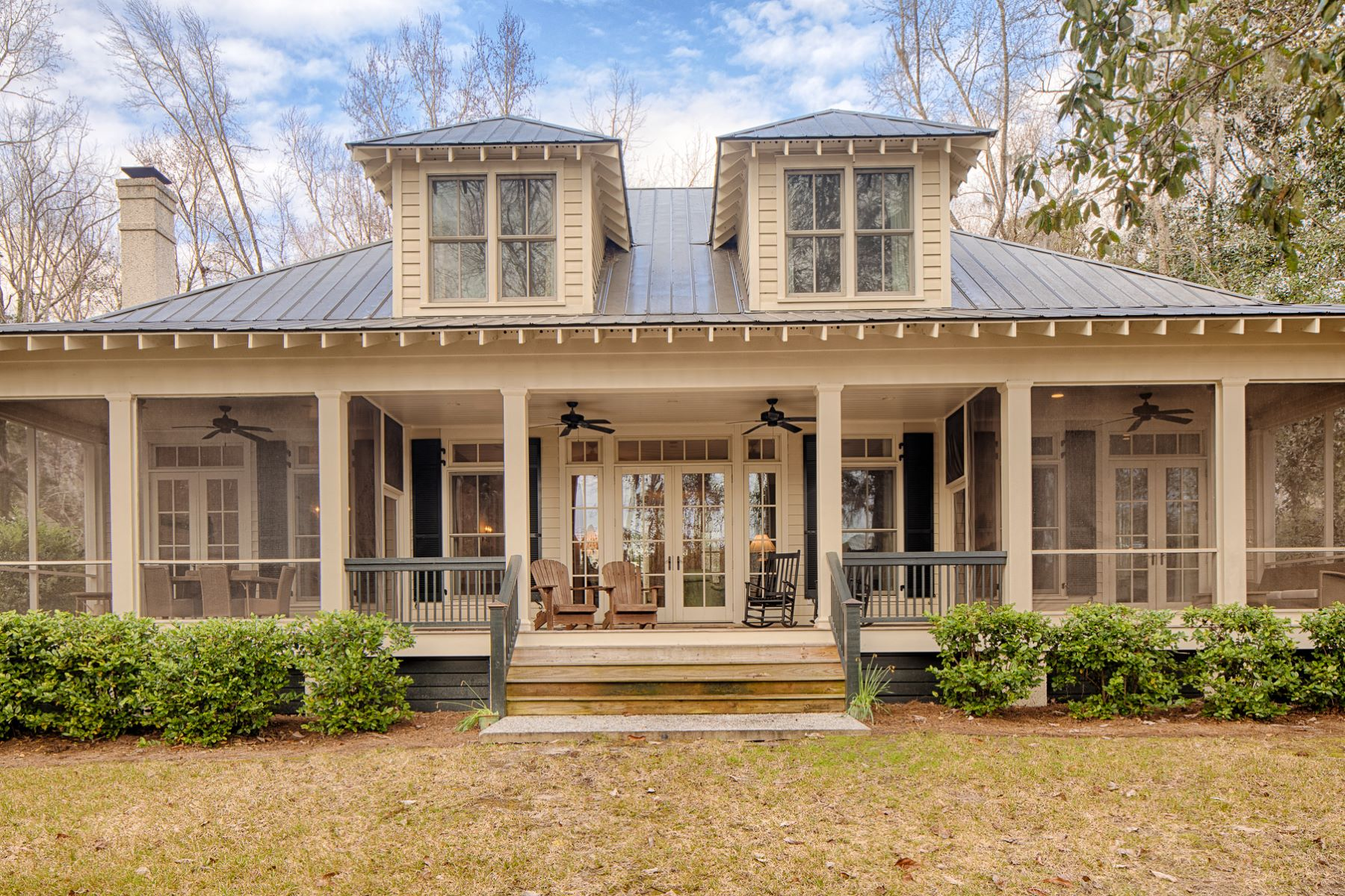 Single Family Homes for Active at 678 Myrtle Grove Richmond Hill, Georgia 31324 United States
