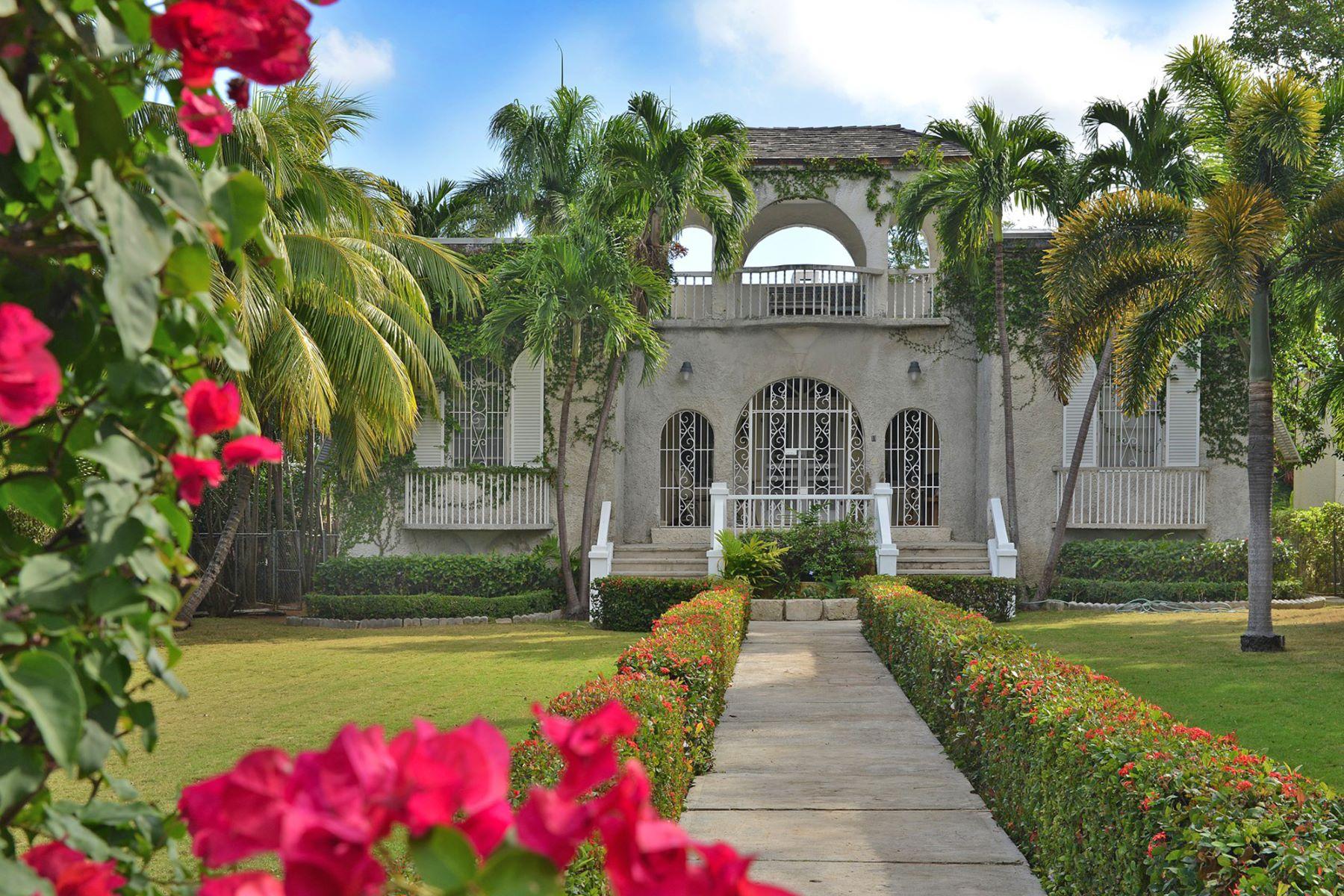 Частный односемейный дом для того Продажа на Shirley Slope off Shirley Street Downtown, Нью-Провиденс/Нассау, Багамские Острова