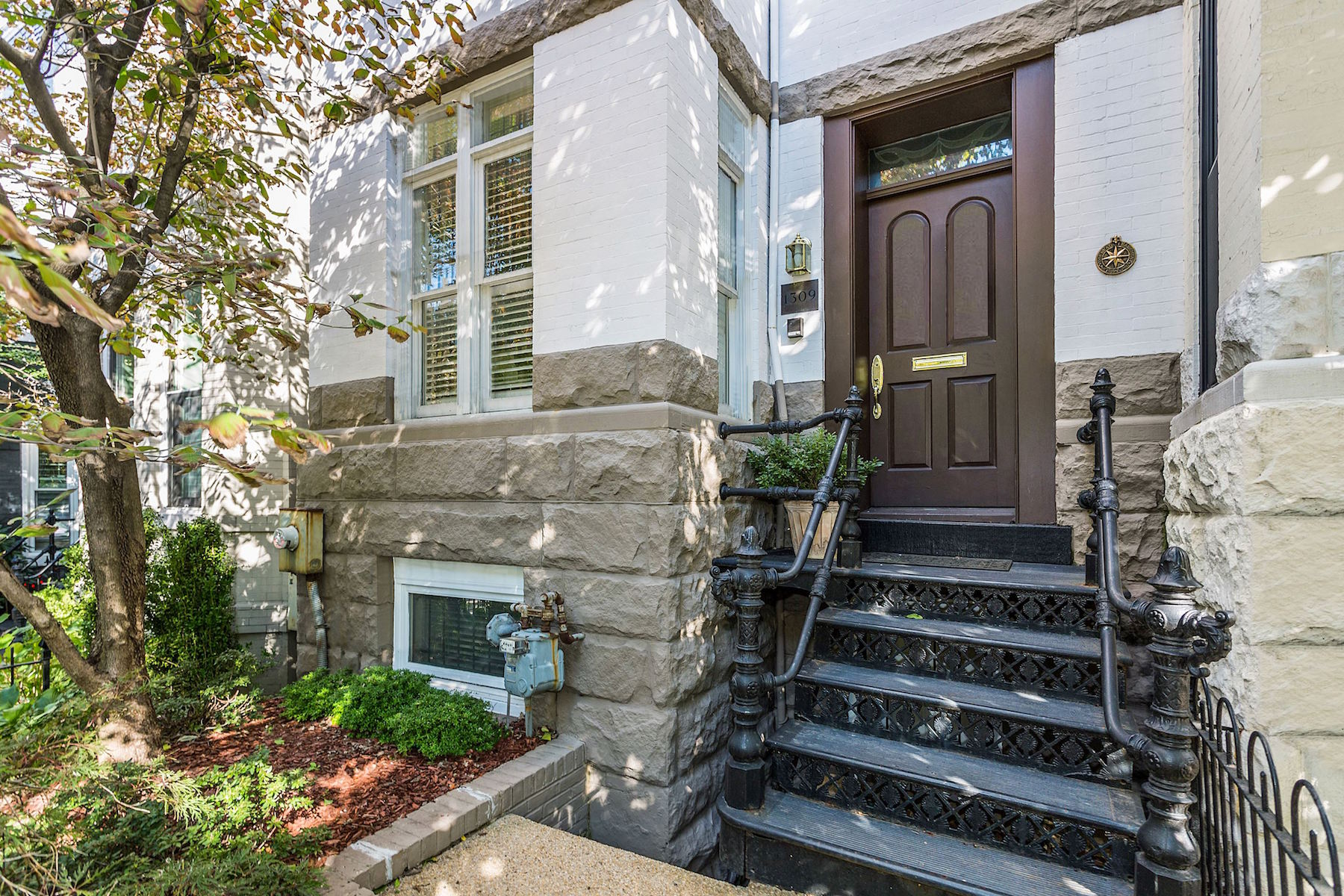 Townhouse for Sale at 1309 22nd St NW 1309 22nd St NW Washington, District Of Columbia 20037 United States