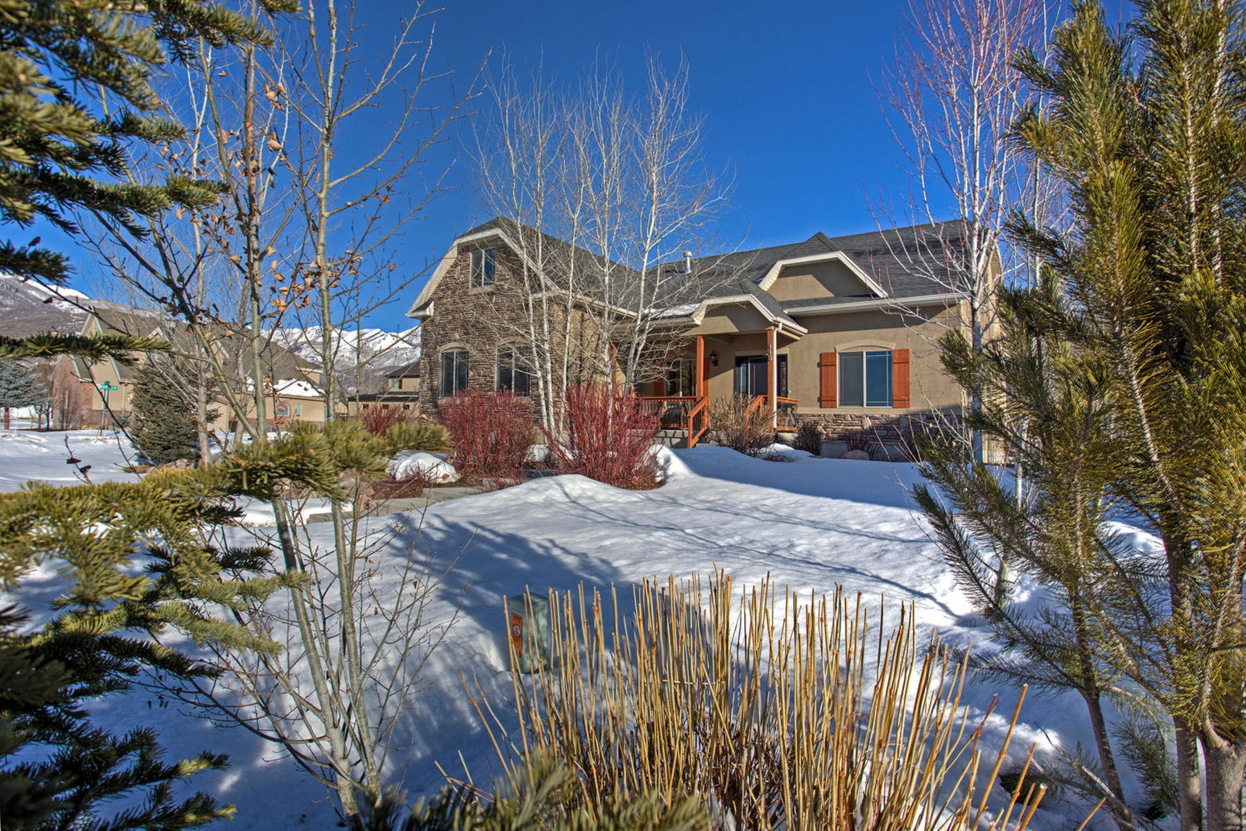 Villa per Vendita alle ore Adorable Midway Home with Amazing Views 440 S Meadow Creek Ln Midway, Utah, 84049 Stati Uniti
