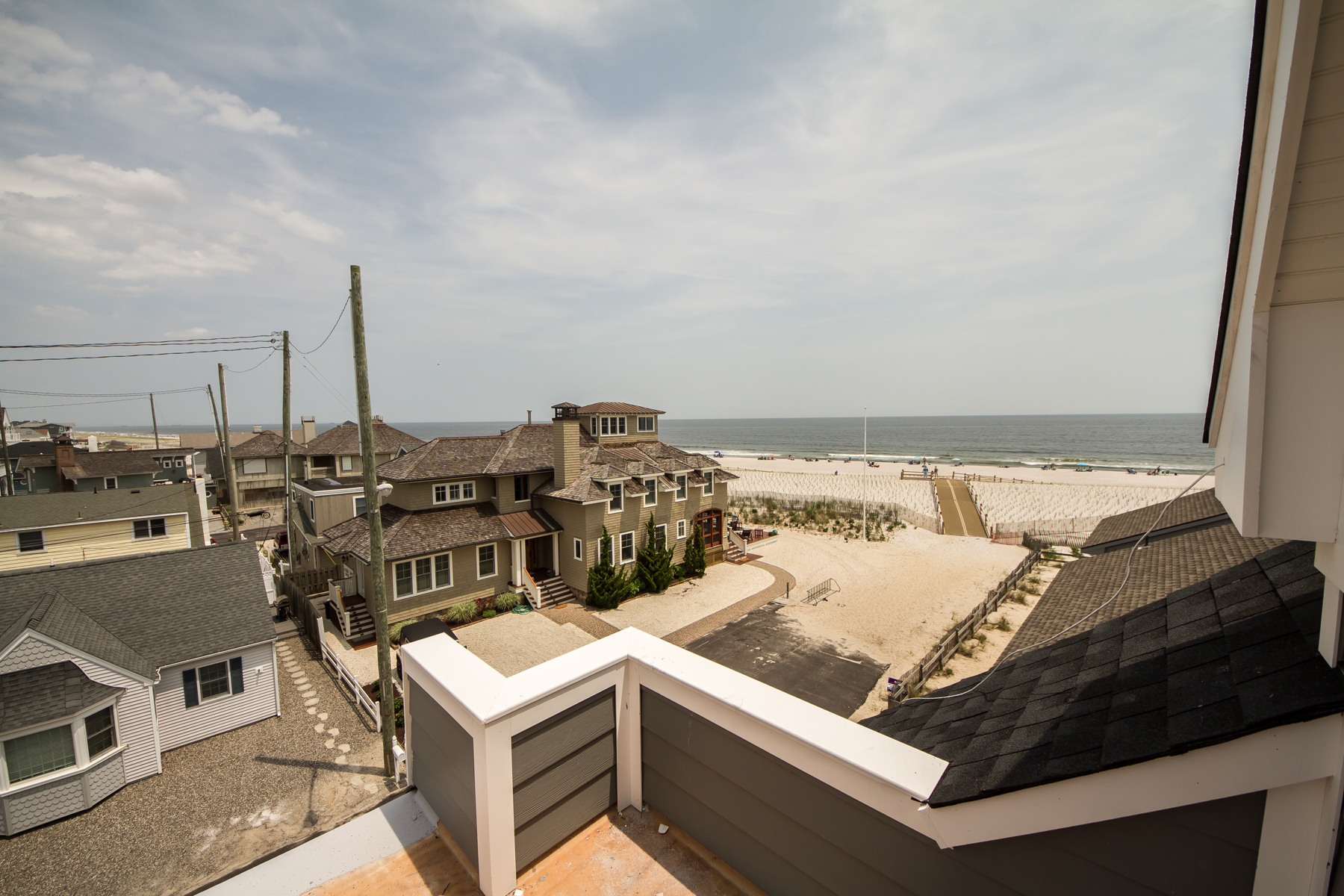 single family homes vì Bán tại Beautifully Designed & Newly Built Custom Shore Colonial 15 S Surf Road, Lavallette, New Jersey 08735 Hoa Kỳ
