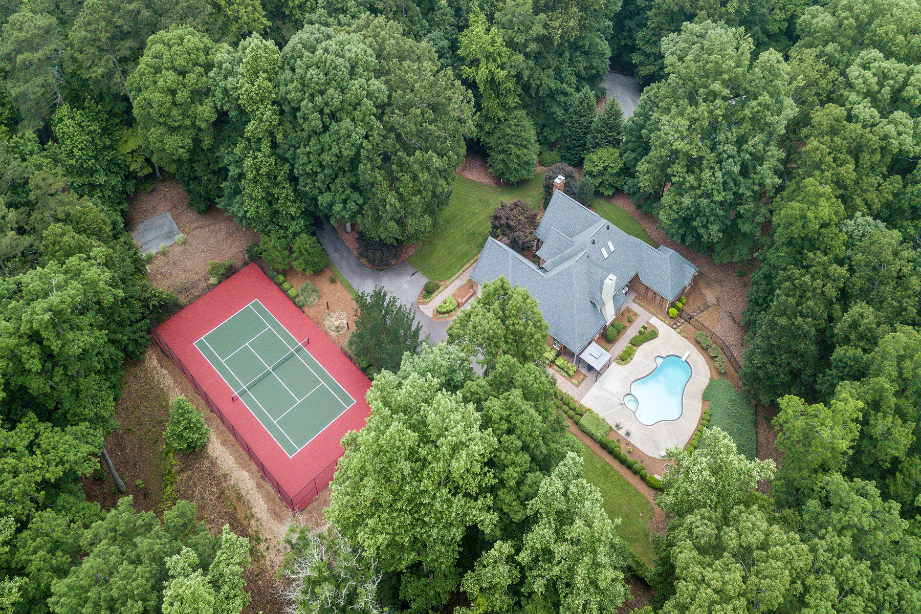 Enfamiljshus för Försäljning vid Luxury Estate on 50 Plus Acres With Tennis Court, Pool, and Pond! 3486 Jonesboro Road Hampton, Georgien 30228 Usa