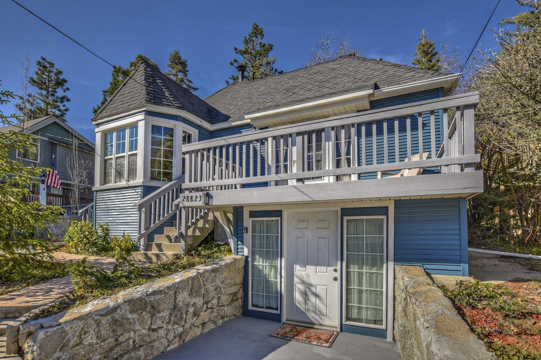 Single Family Homes for Sale at 28823 Cedar Drive, Lake Arrowhead, California 92352 28823 Cedar Drive Lake Arrowhead, California 92352 United States