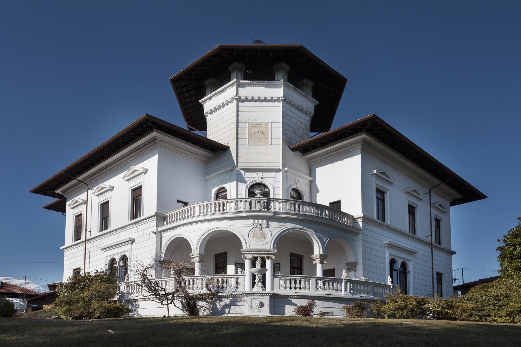 Villa per Vendita alle ore Villa di inizio 900 circondata da un magnifico parco secolare Strada Cantone Boglietti Biella, Biella 13900 Italia