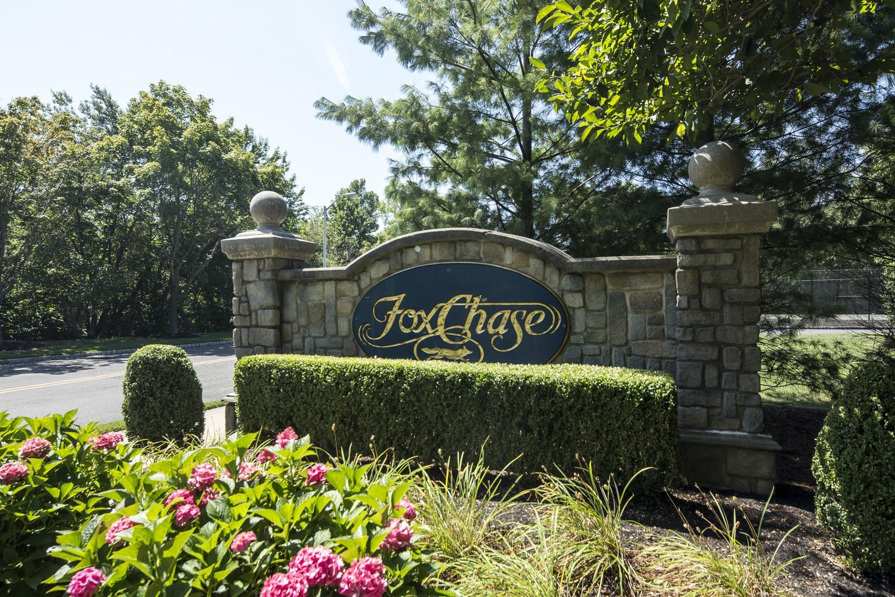 联栋屋 为 销售 在 Fox Chase 26 Forrest Ct. 廷顿瀑布市, 新泽西州, 07753 美国