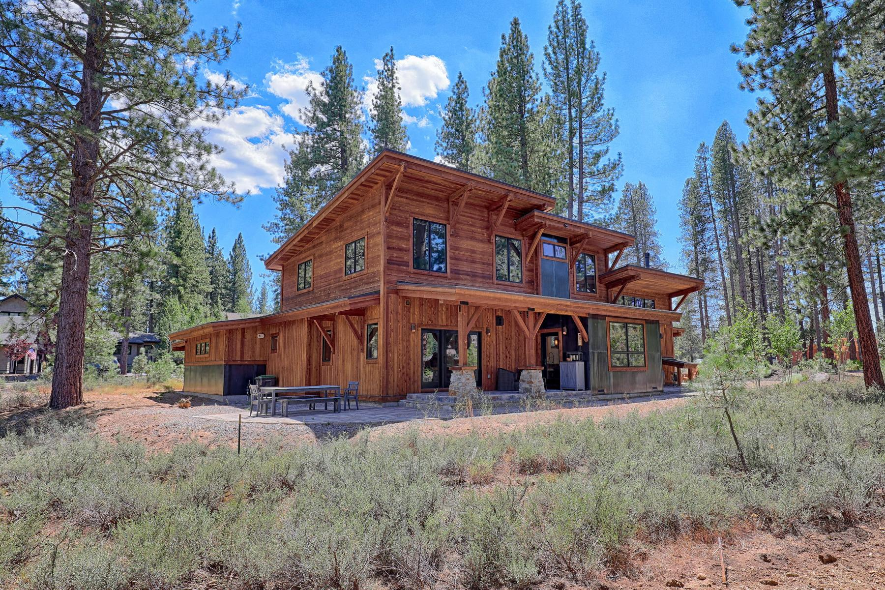 Additional photo for property listing at Grey's Crossing Modern Craftsman 11090 Henness Road Truckee, California 96161 United States