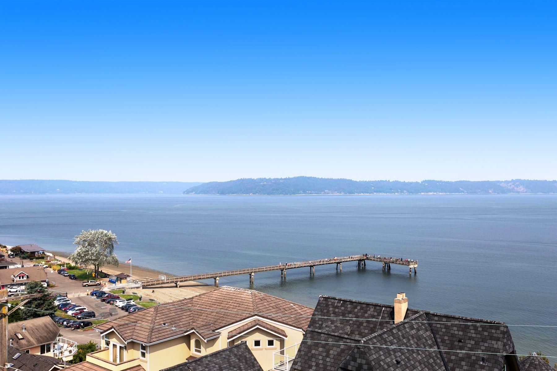 Casa Unifamiliar por un Venta en Dash Point Sound & Mtn Views 1624 Markham Ave NE Tacoma, Washington 98422 Estados Unidos