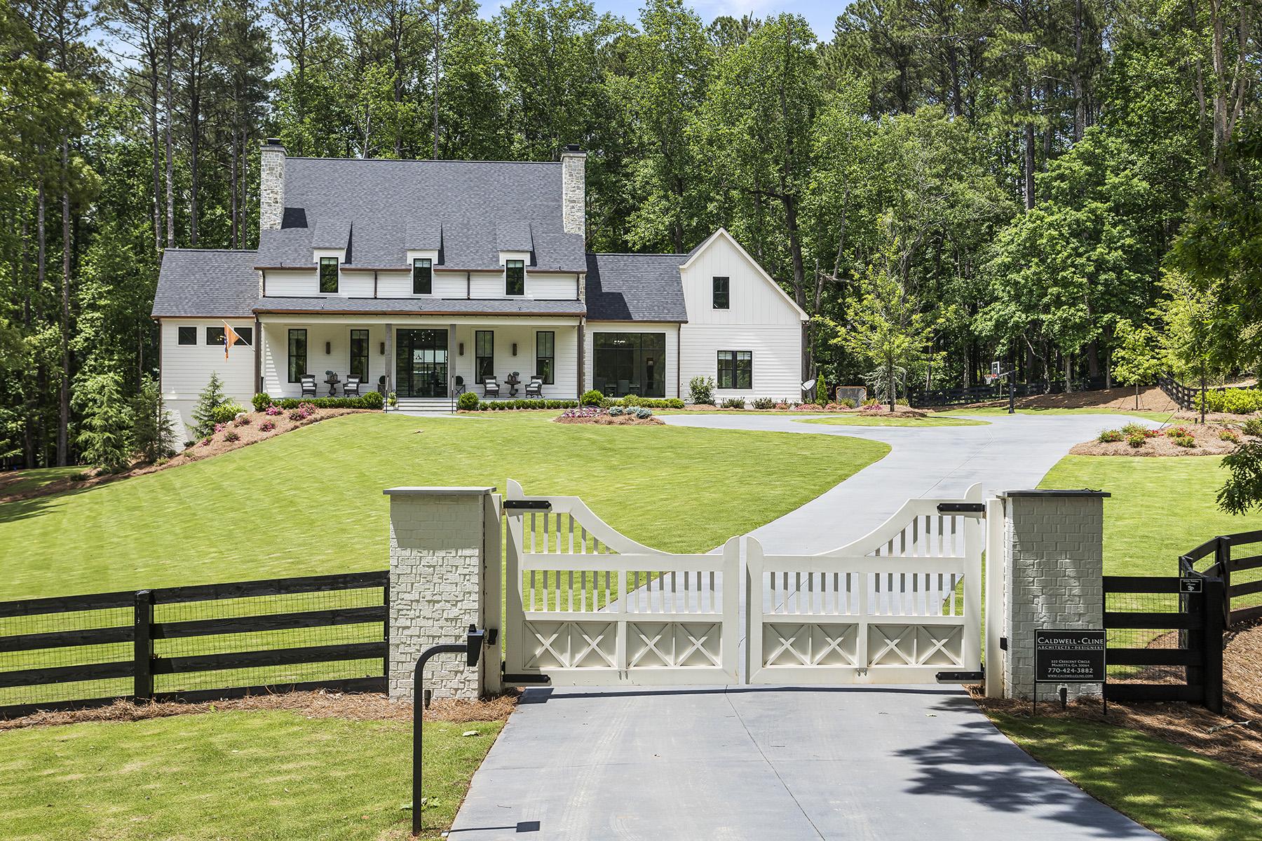 Single Family Homes for Sale at Gated Extraordinary Estate in Milton 14530 Thompson Road Milton, Georgia 30004 United States