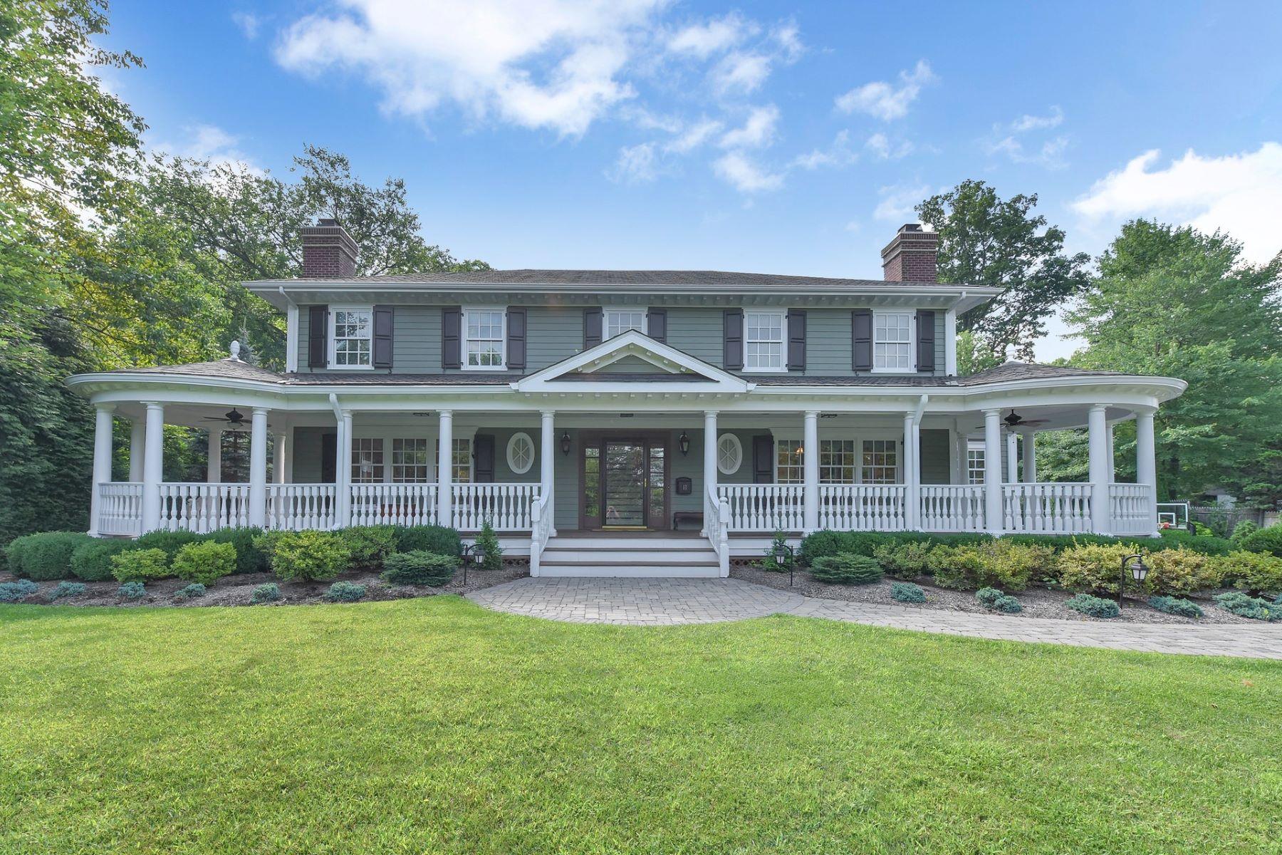 Enfamiljshus för Försäljning vid Stately Sanctuary 17 Farbrook Drive, Short Hills, New Jersey 07078 Usa