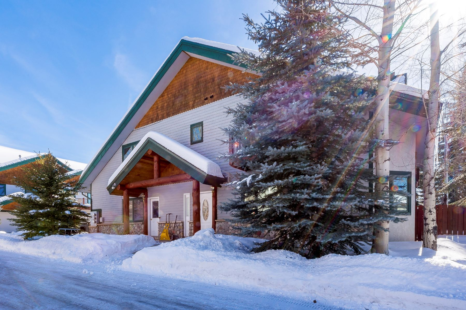 Single Family Home for Sale at Remarkable Fox Willow Remodel 1551 Thistlebrook, Steamboat Springs, Colorado, 80487 United States