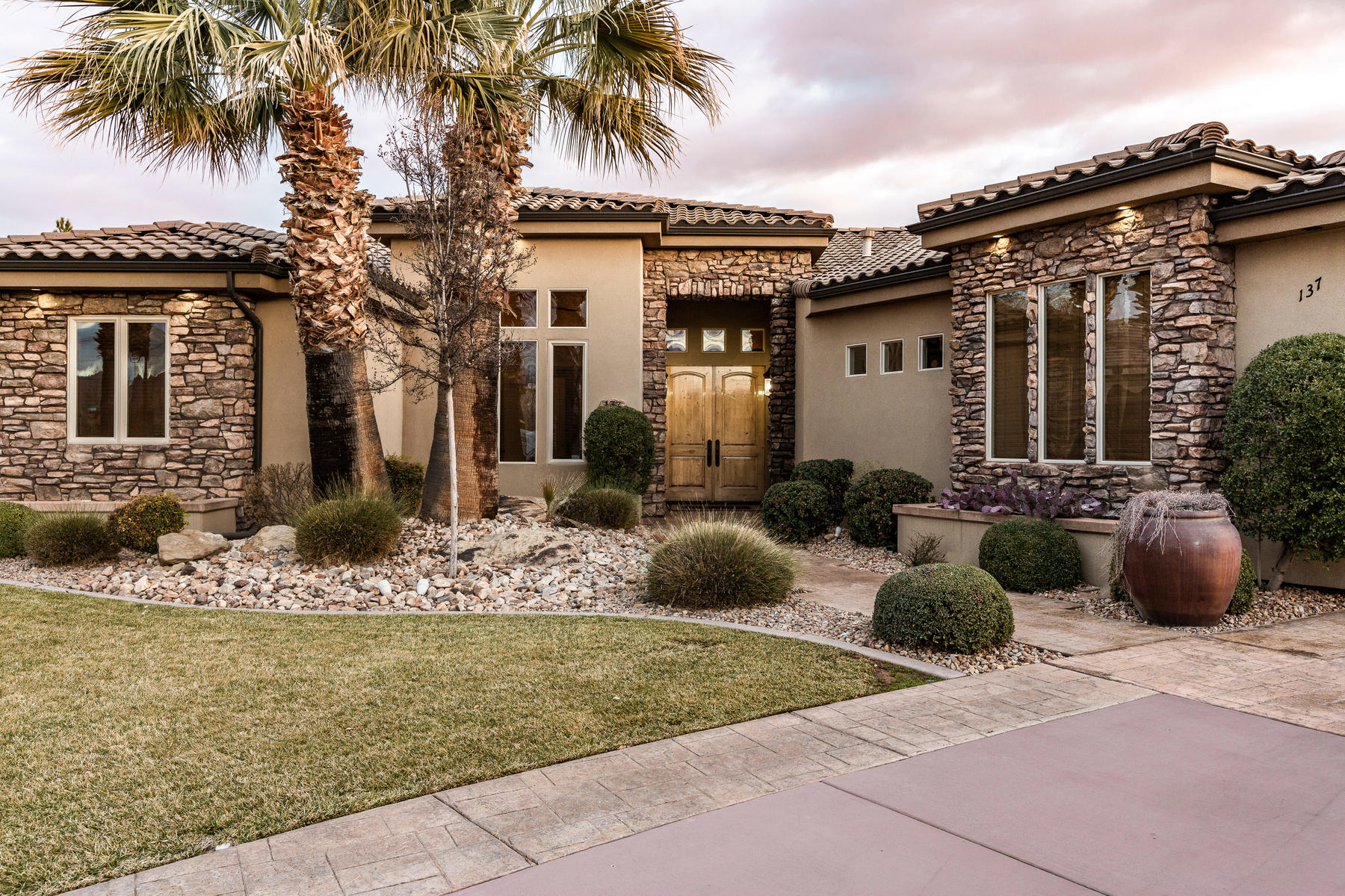 Single Family Homes for Active at Inviting and Elegant 137 South 1790 West Circle St. George, Utah 84770 United States