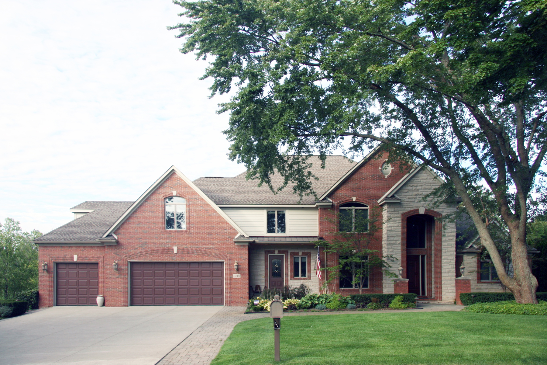 Single Family Home for Sale at Waterford 331 Beverly Island, Waterford, Michigan, 48328 United States