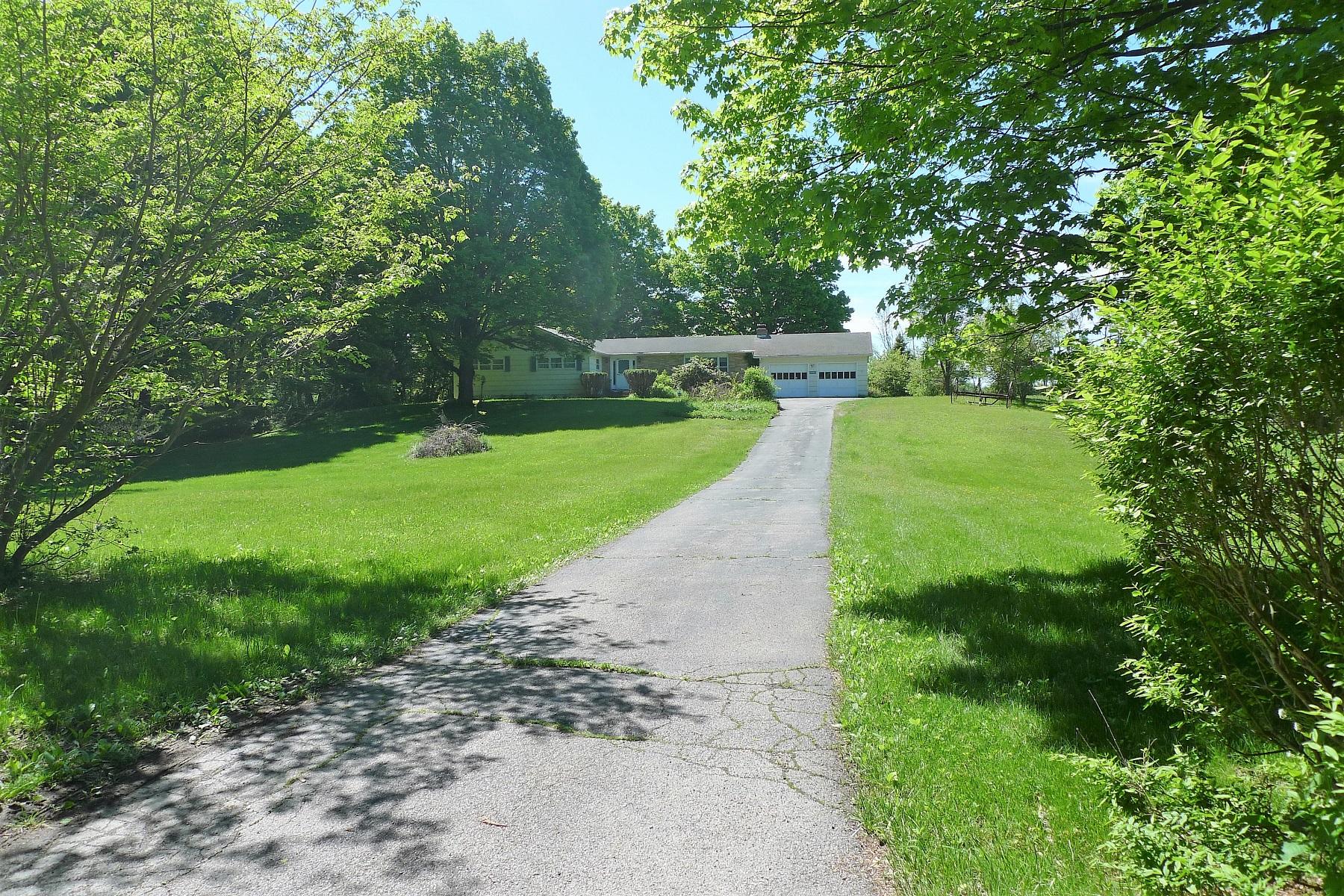 Casa Unifamiliar por un Venta en Salt Point Ranch 498 Hibernia Road Salt Point, Nueva York 12578 Estados Unidos