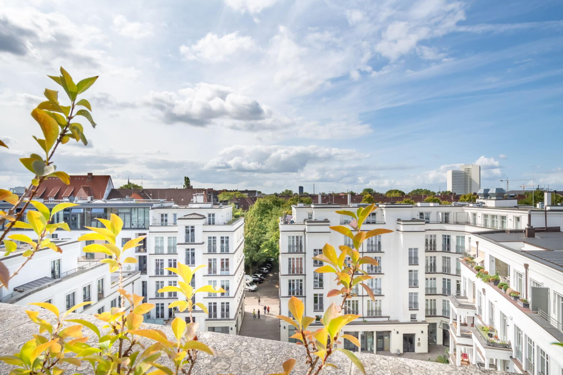 Additional photo for property listing at Spectacular penthouse with panoramic view and pool Völckersstraße 42 Hamburg, Hamburg 22765 Germany