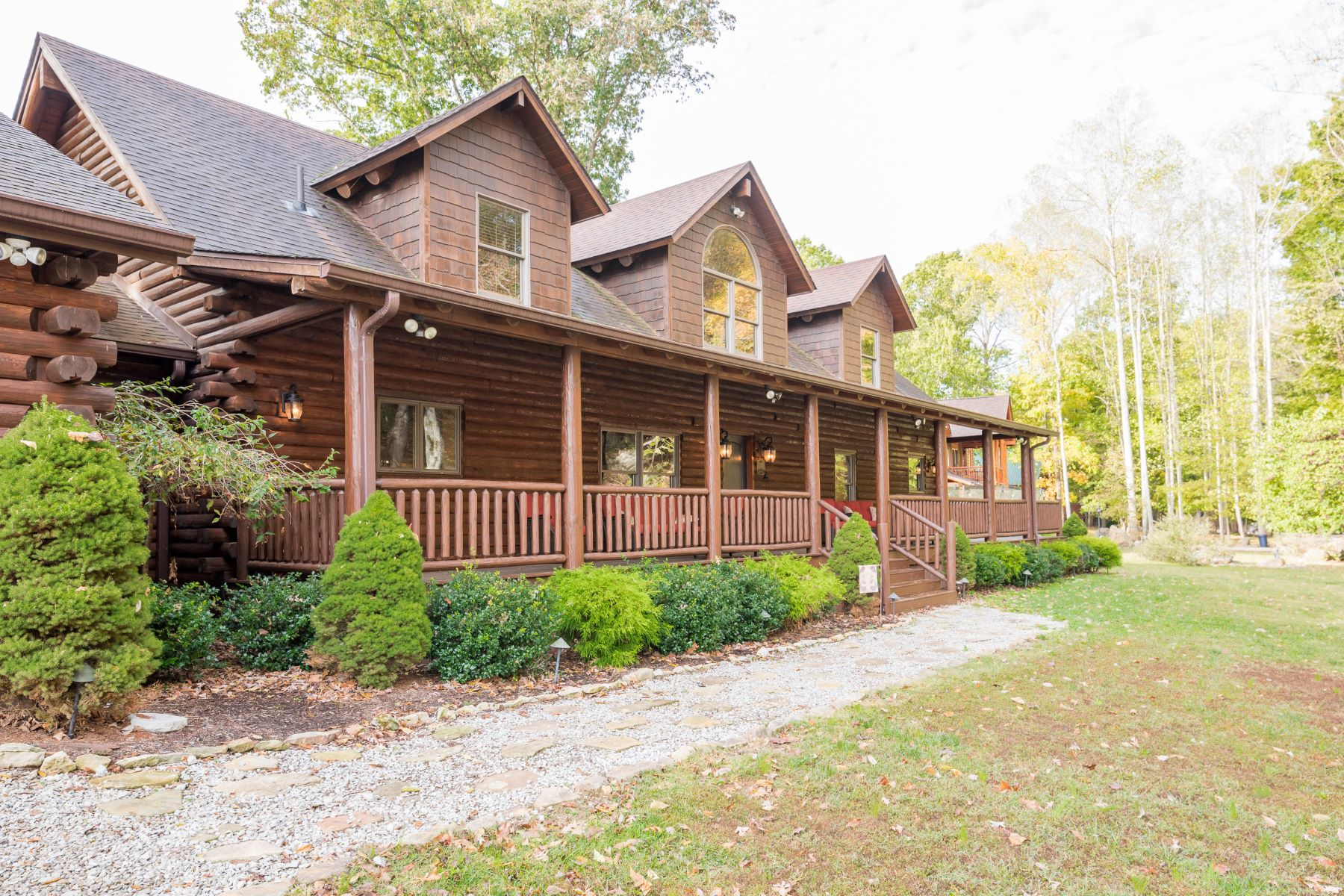 Single Family Homes for Sale at 2411 Dickeys Mill Road Leitchfield, Kentucky 42754 United States