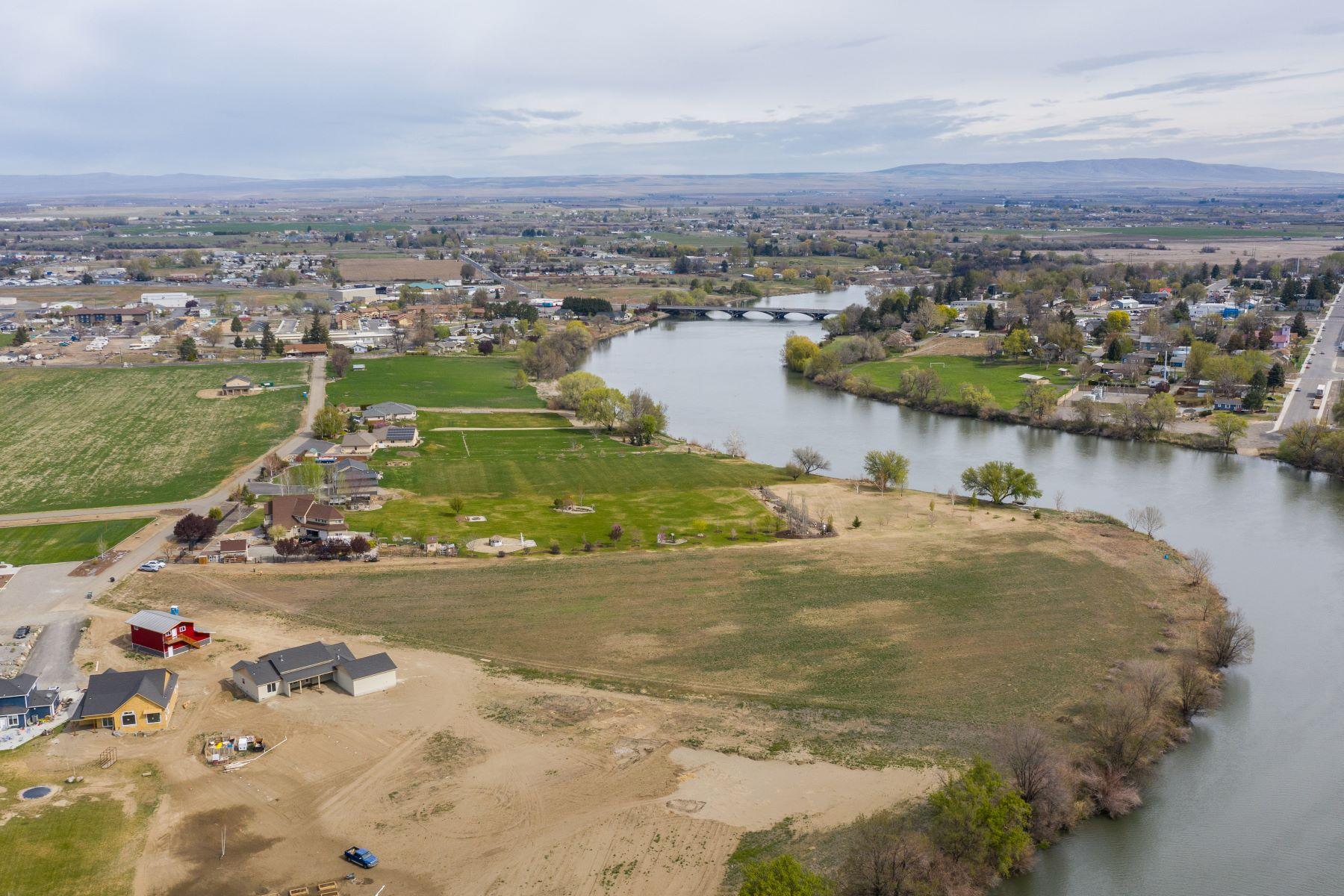 Land for Sale at WOW- 6.5 Acres Riverfront Sub-Dividable 723 SW PR 1366, Prosser, Washington 99350 United States
