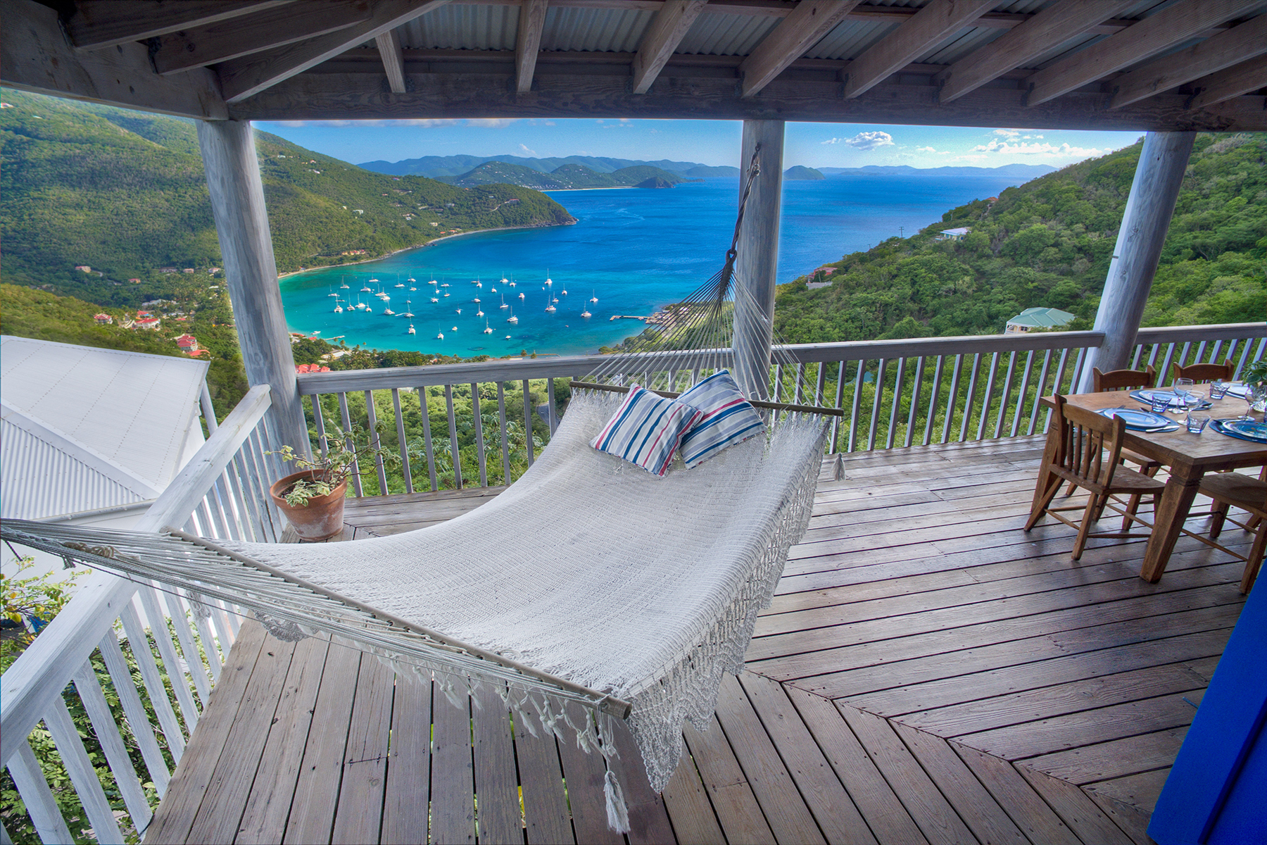 متعددة للعائلات الرئيسية للـ Sale في Makere House Cane Garden Bay, Tortola British Virgin Islands