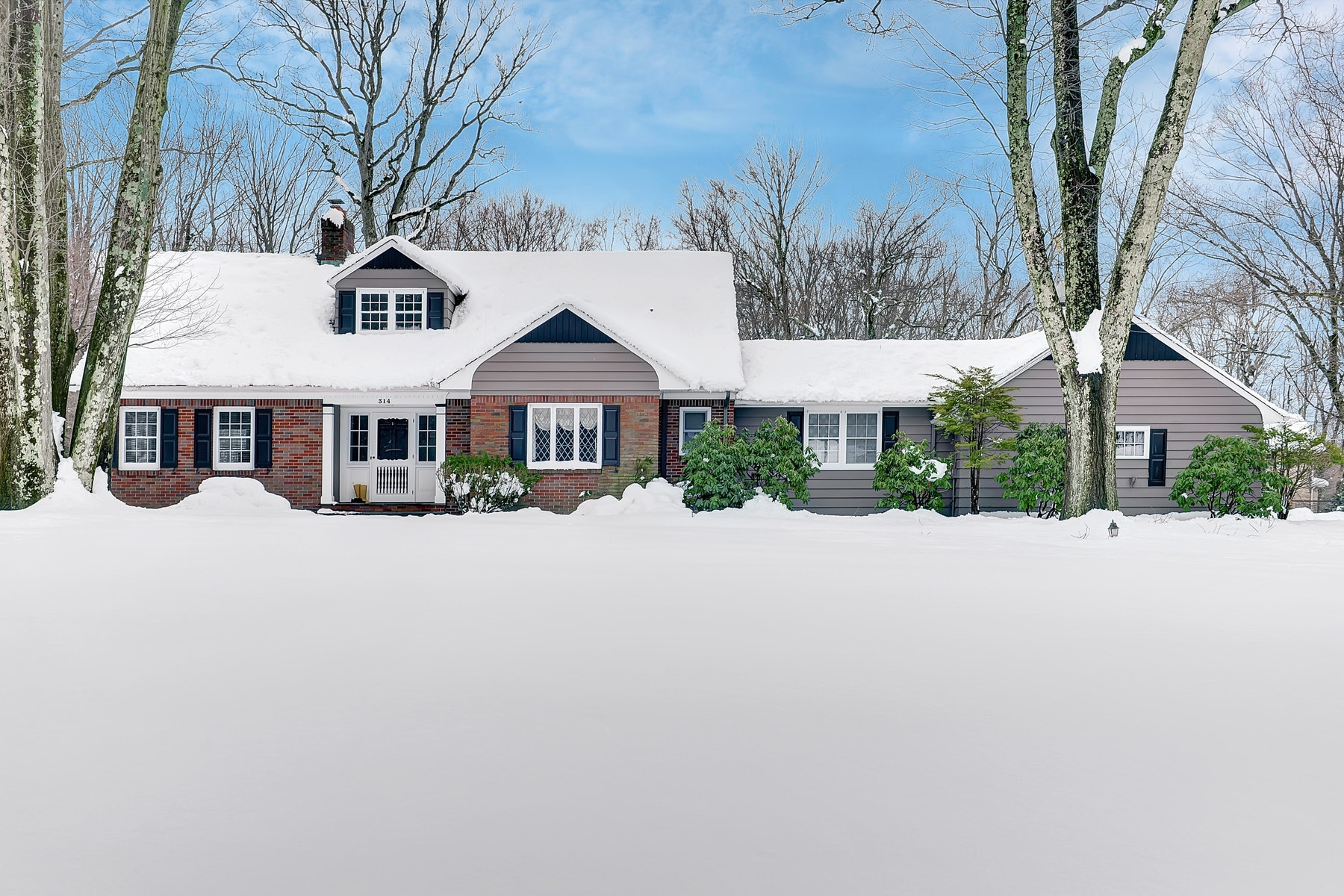 Single Family Home for Rent at Charming Cape 314 George Street, Franklin Lakes, New Jersey 07417 United States