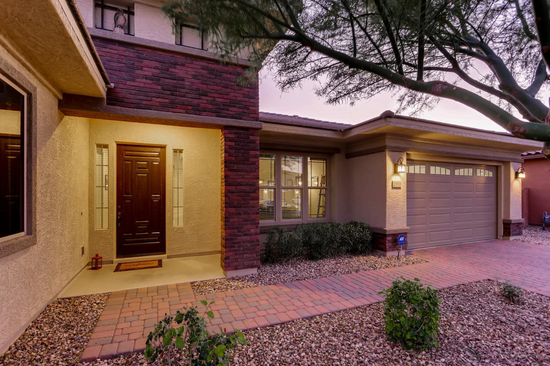 single family homes for Active at Beautiful Single-level Home 15951 W BONITOS DR Goodyear, Arizona 85395 United States