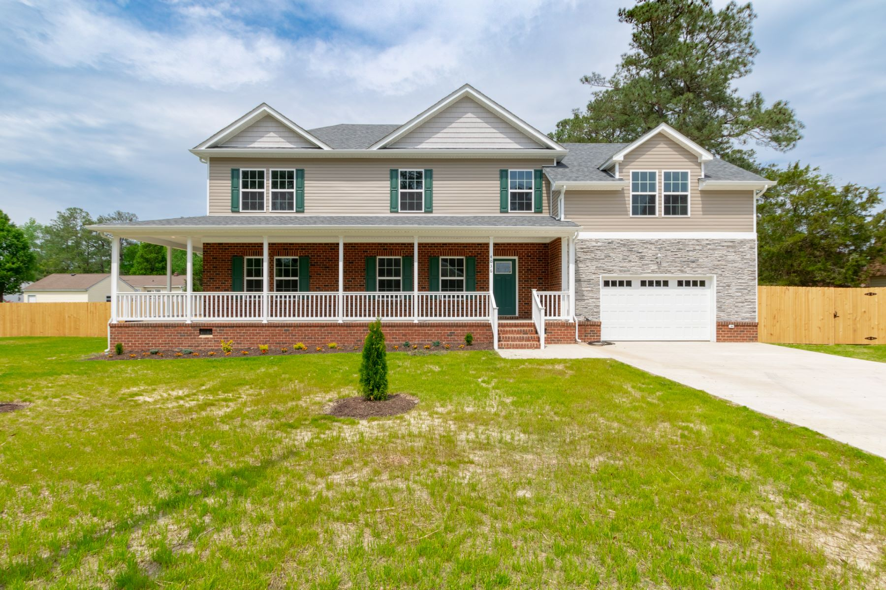 single family homes pour l Vente à WESTERN BRANCH 4036 Cory Lane Chesapeake, Virginia 23321 États-Unis