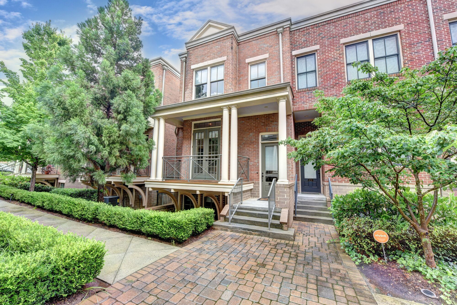 Herenhuis voor Huren een t Gated Executive Three Bedroom, Three And A Half Bath Townhome In Best Location 4732 Cypress Commons Dunwoody, Georgië 30338 Verenigde Staten