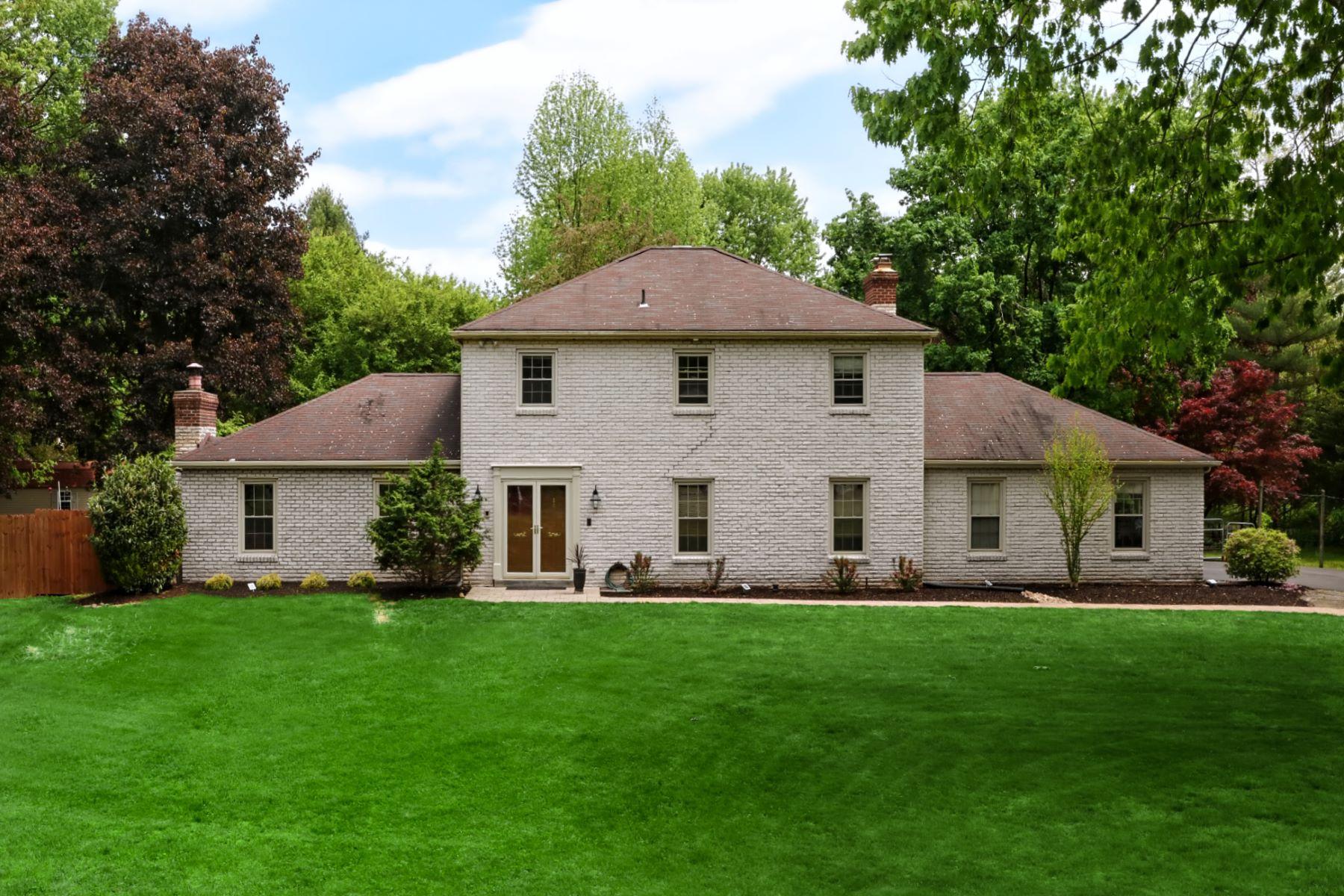 Single Family Homes 為 出售 在 Modern Feel in This Re-Designed Home 9 Hillside Lane, New Hope, 賓夕法尼亞州 18938 美國
