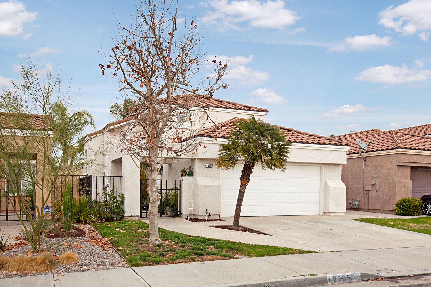 Частный односемейный дом для того Продажа на 28690 Broadstone Wy. 28690 Broadstone Way, Menifee, Калифорния, 92584 Соединенные Штаты