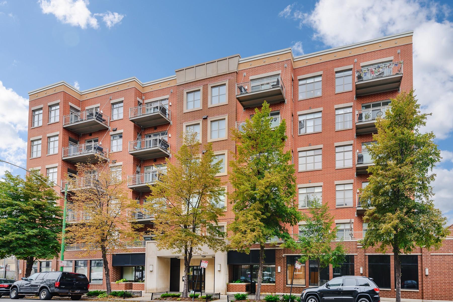 Кондоминиум для того Продажа на Totally Renovated Penthouse Duplex 950 W Huron Street Unit 606, Near North Side, Chicago, Иллинойс, 60642 Соединенные Штаты