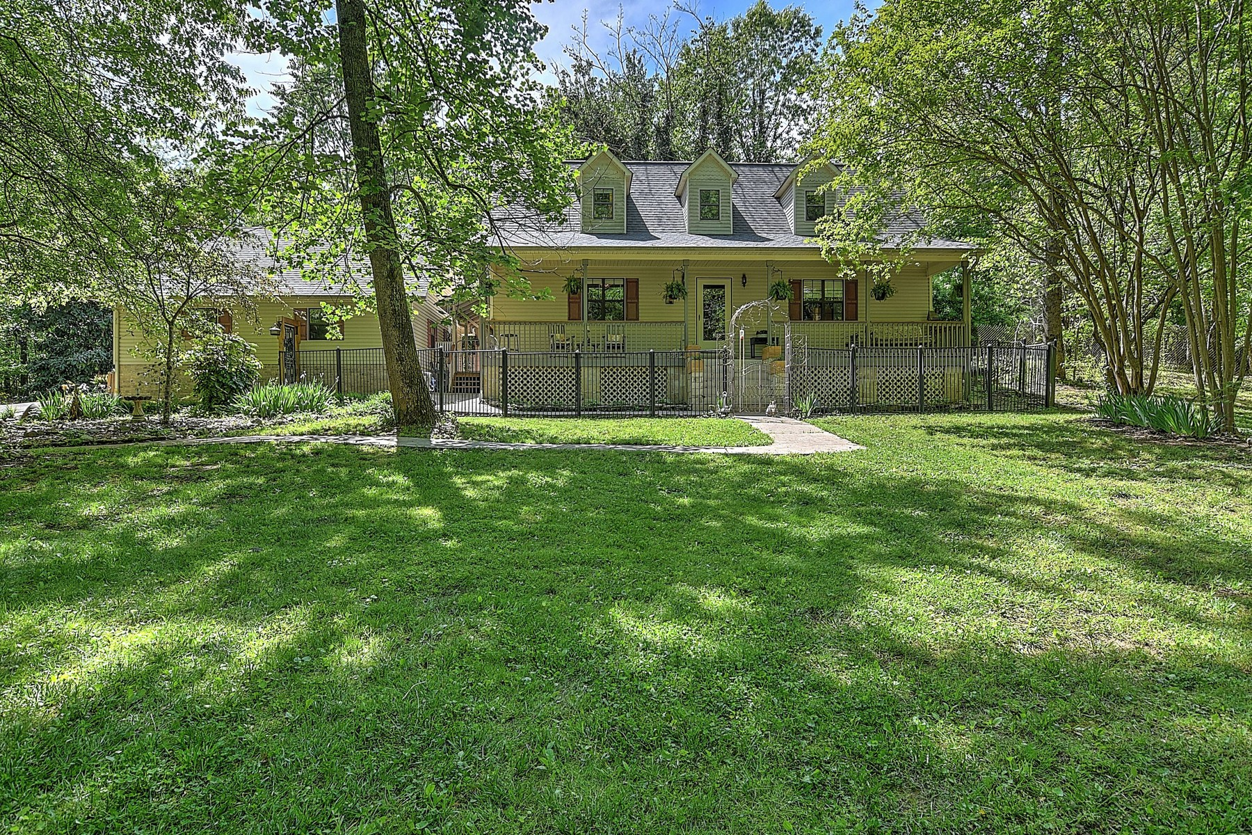 Single Family Homes 용 매매 에 Cape Cod On 6 Acres With River Frontage 436 Marina Drive, Charleston, 테네시 37310 미국