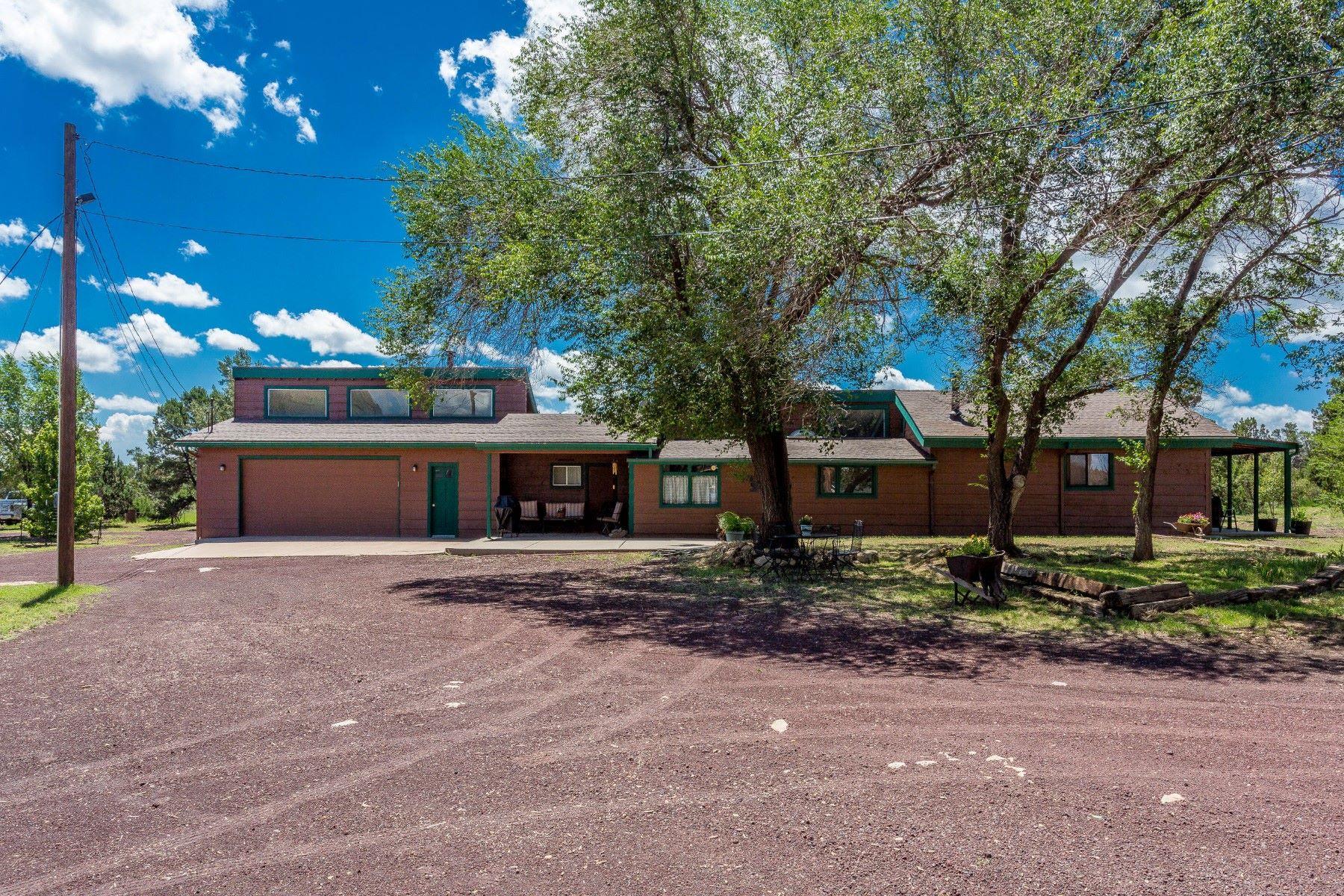 Maison unifamiliale pour l Vente à Prime Location Horse Property 7015 Hutton Ranch Rd, Flagstaff, Arizona, 86004 États-Unis