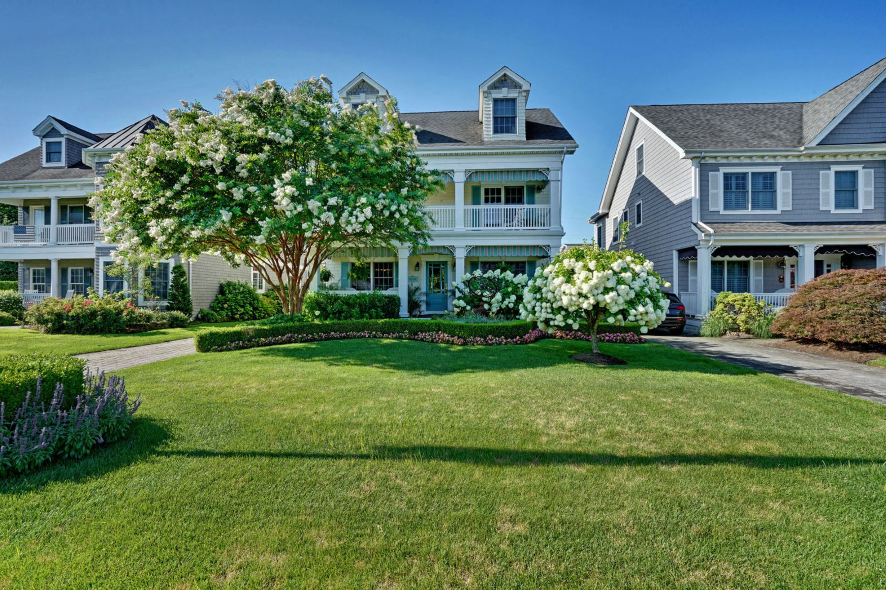 Single Family Homes for Active at Comfortable Beach Retreat 214 New York Boulevard Sea Girt, New Jersey 08750 United States