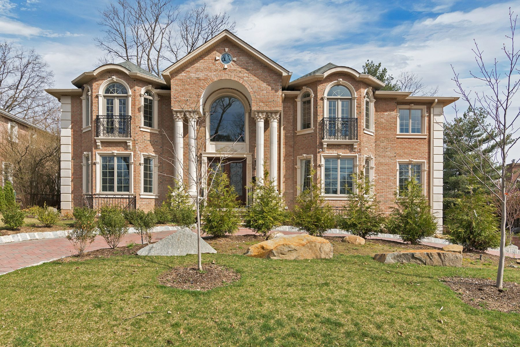 Single Family Home for Sale at 36 Cambridge Place Englewood Cliffs, New Jersey, 07632 United States
