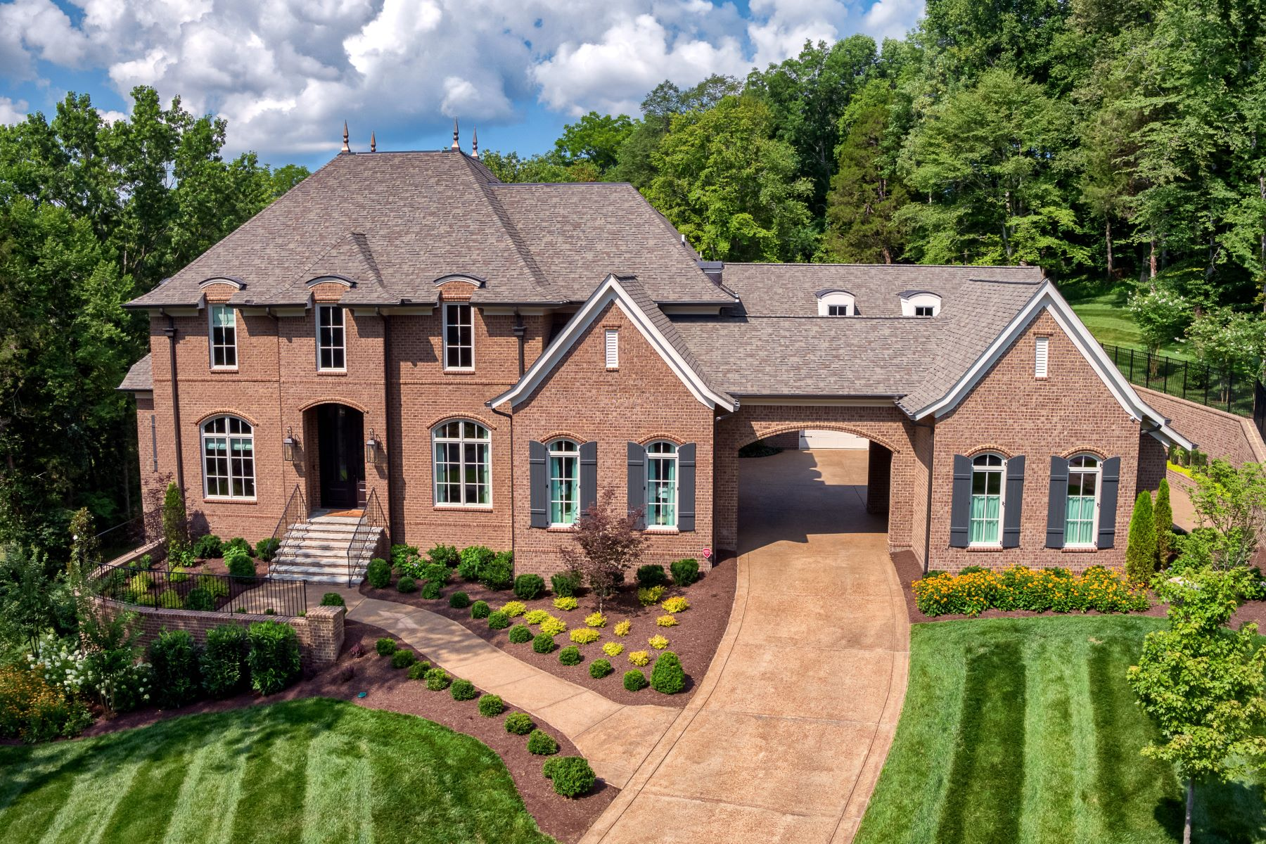 single family homes for Sale at Simplistic, Elegant and Timeless! 12 Camel Back Court Brentwood, Tennessee 37027 United States