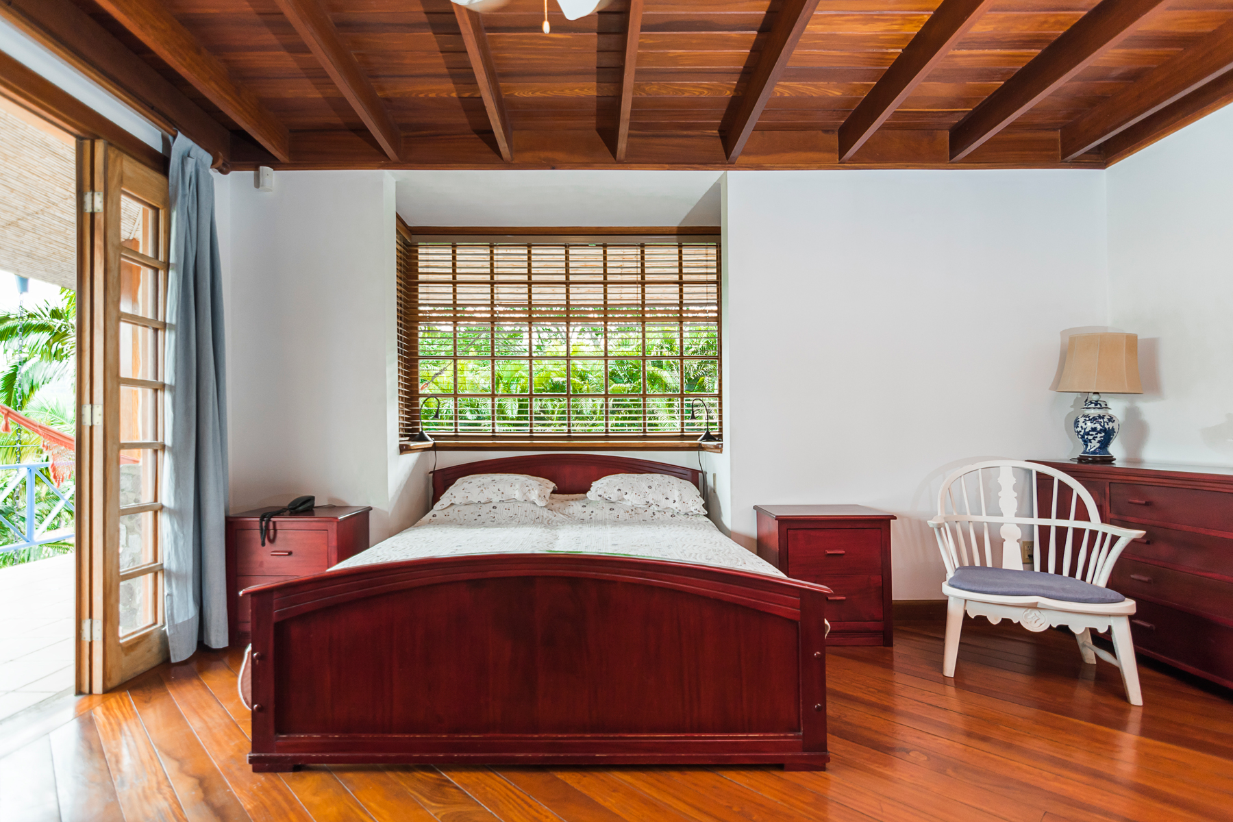 Additional photo for property listing at Lush Garden Sunset View Santa Ana, San Jose Costa Rica