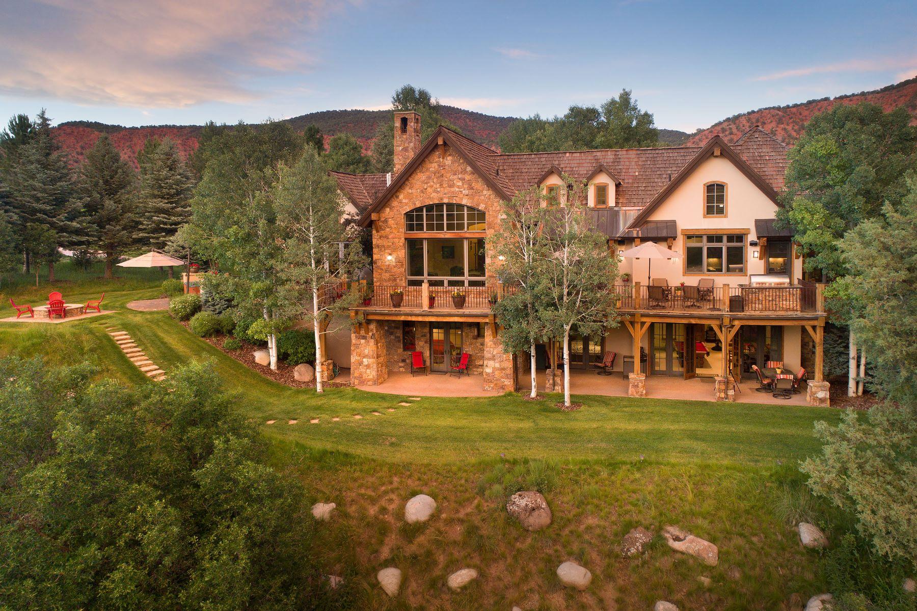 Single Family Homes para Venda às Riverfront in Aspen Glen on 1.77 acres 36 Whispering Water Circle, Carbondale, Colorado 81623 Estados Unidos
