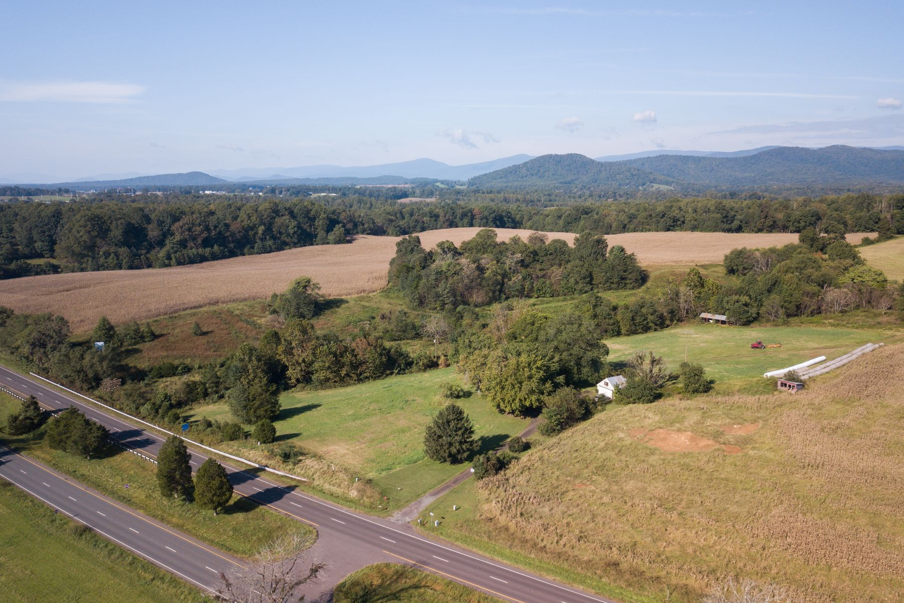 Farm / Ranch / Plantation للـ Sale في Springbrook Farm 1932 South Seminole Trail, Madison, Virginia 22727 United States