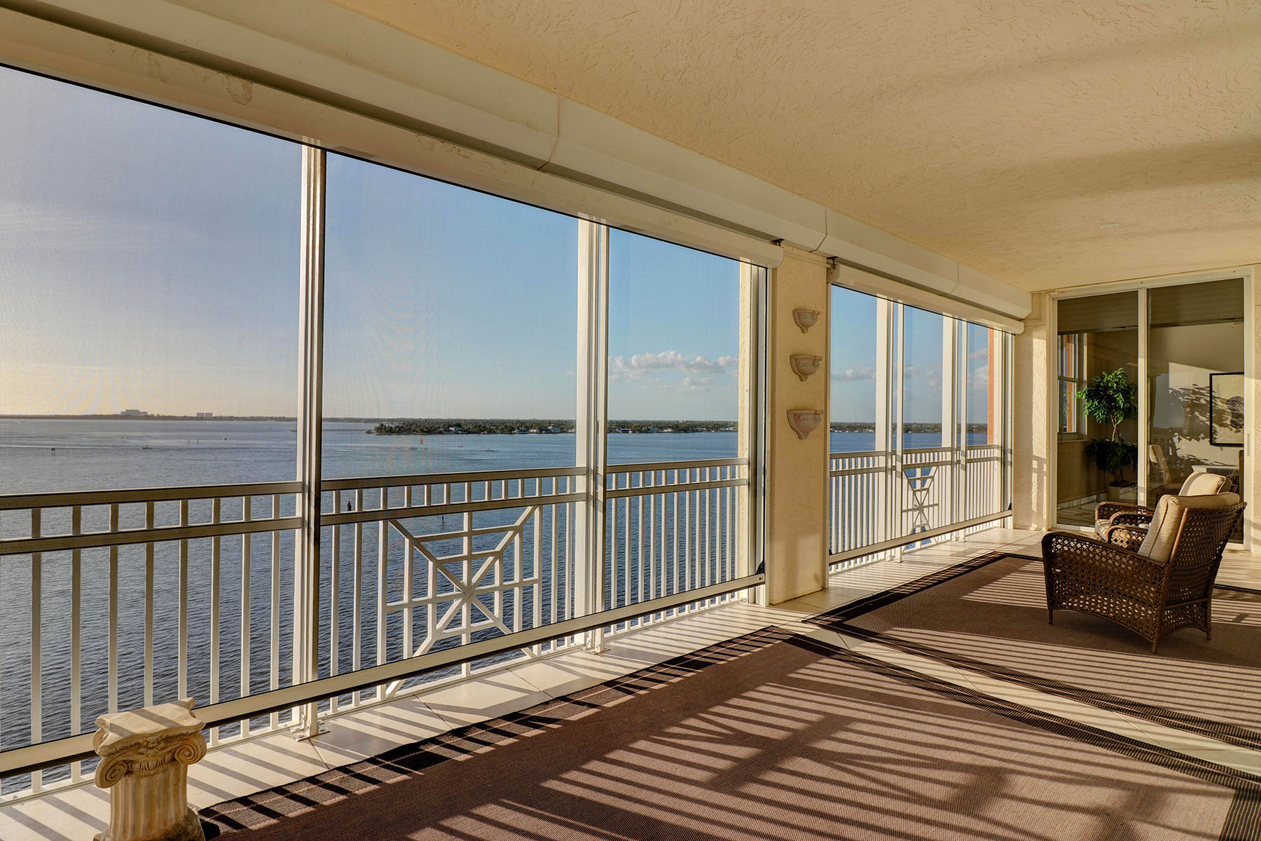 Single Family Homes for Sale at 14200 Royal Harbour Court , 904, Fort Myers, Florida 33908 United States